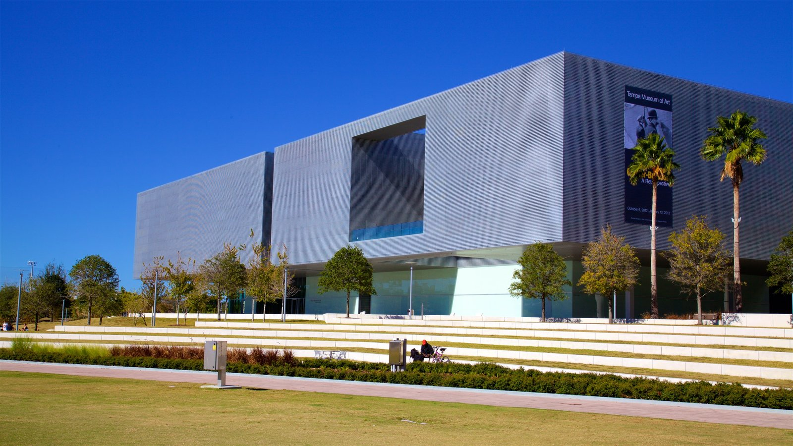 Tampa Museum of Art showing modern architecture