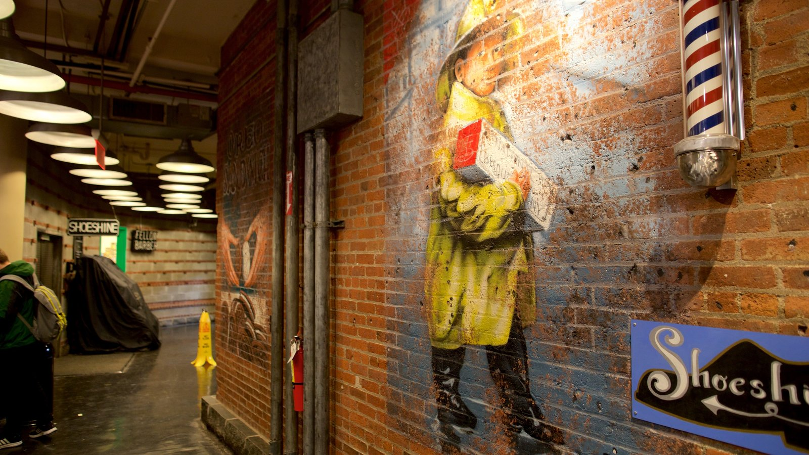 Chelsea Market showing art and interior views