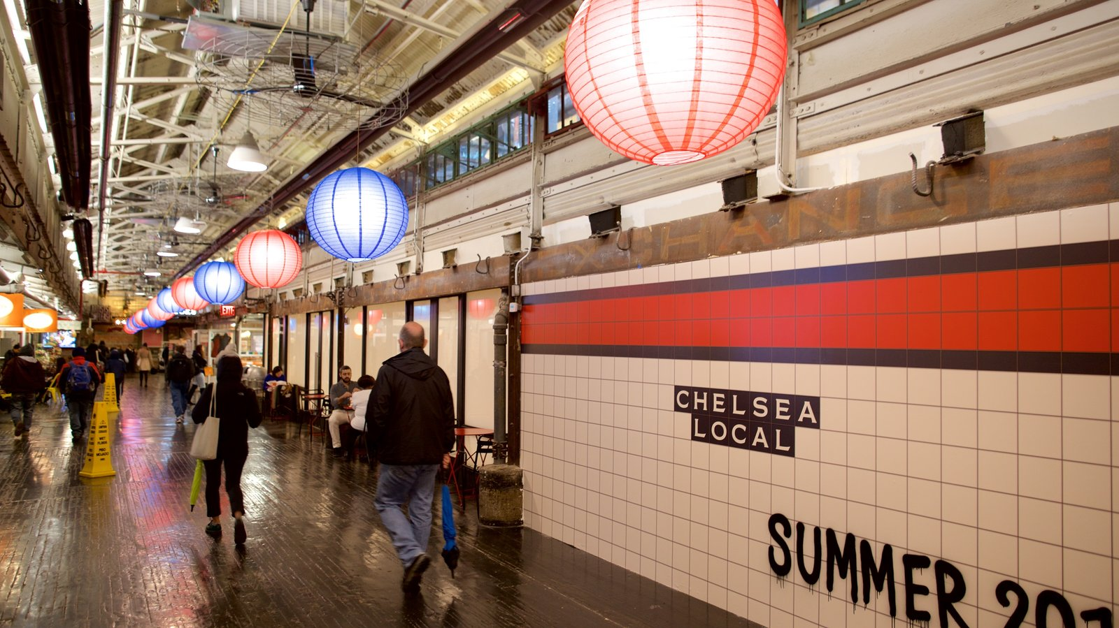 Chelsea Market showing signage and interior views