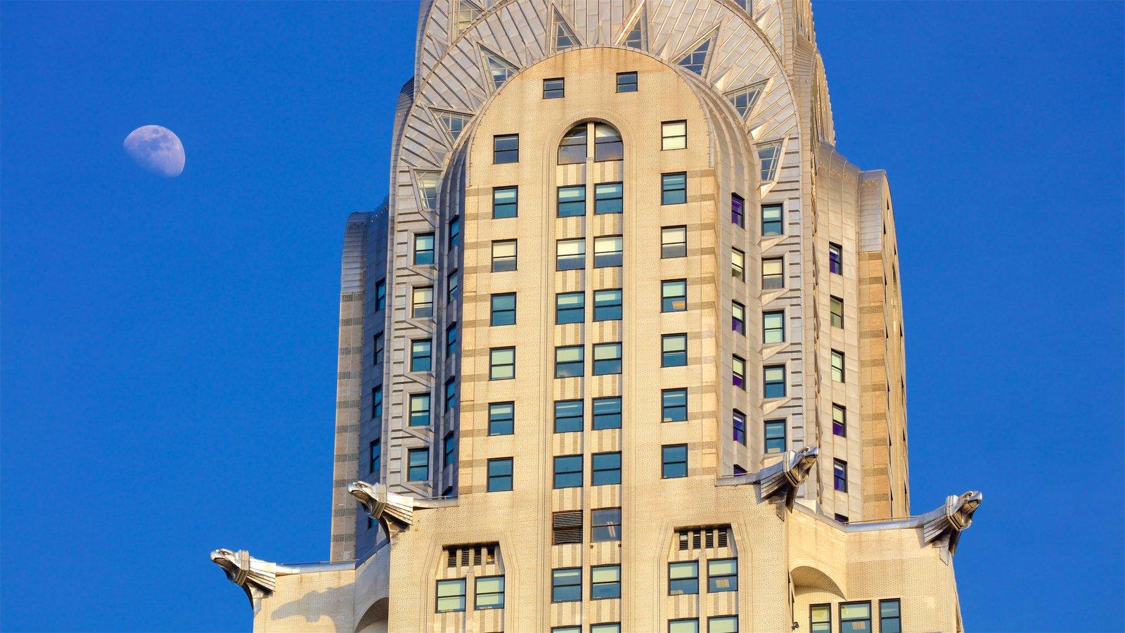 Edificio Chrysler mostrando una ciudad y elementos del patrimonio