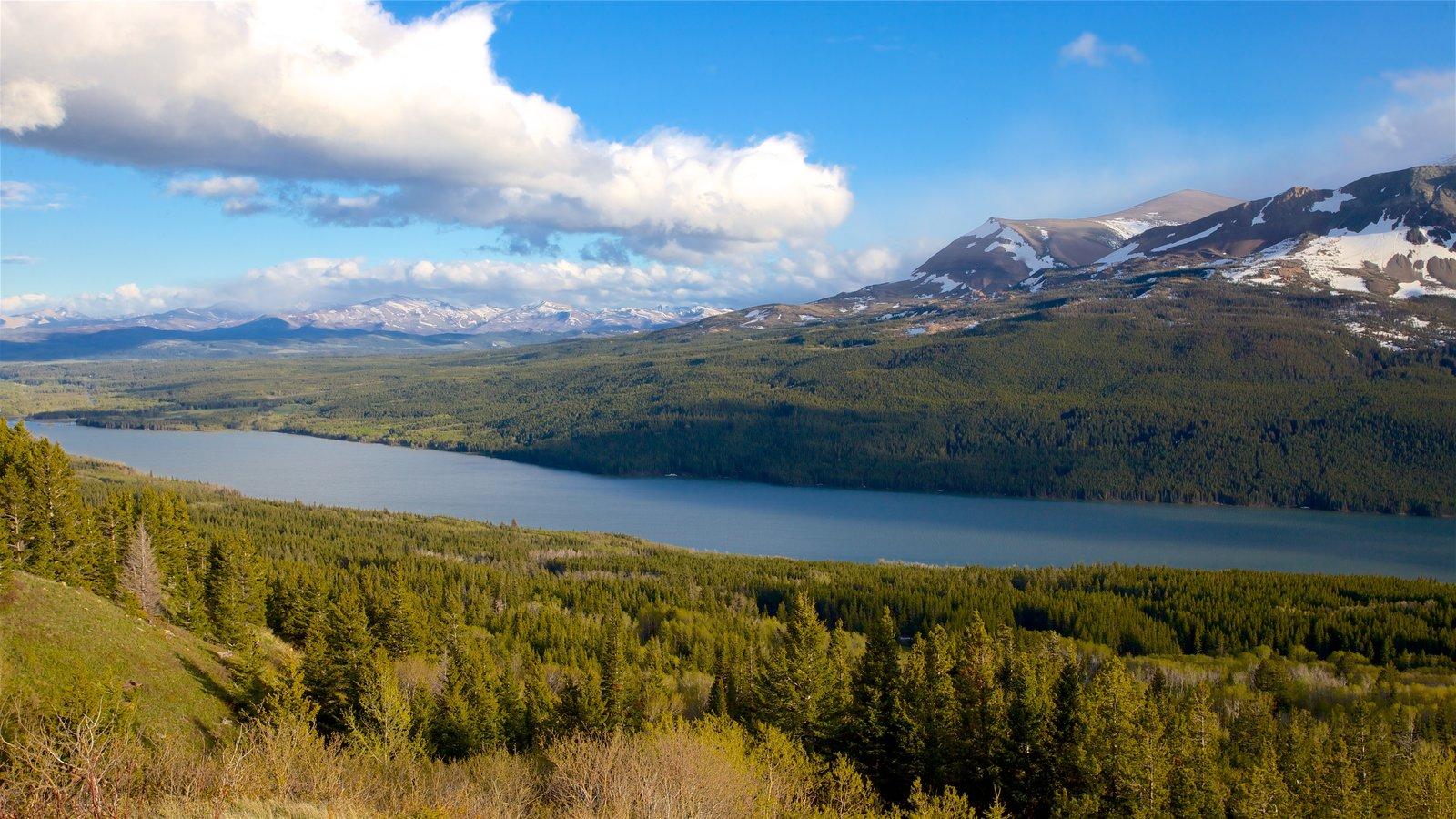 Parque Nacional de los Glaciares ofreciendo un río o arroyo, montañas y vistas de paisajes