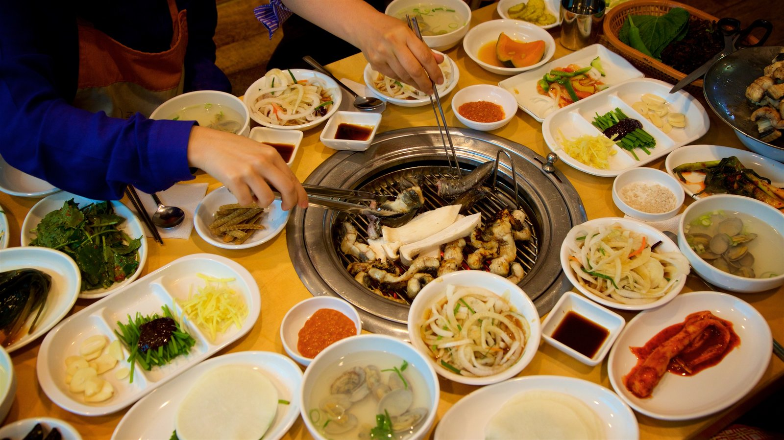 Incheon featuring food