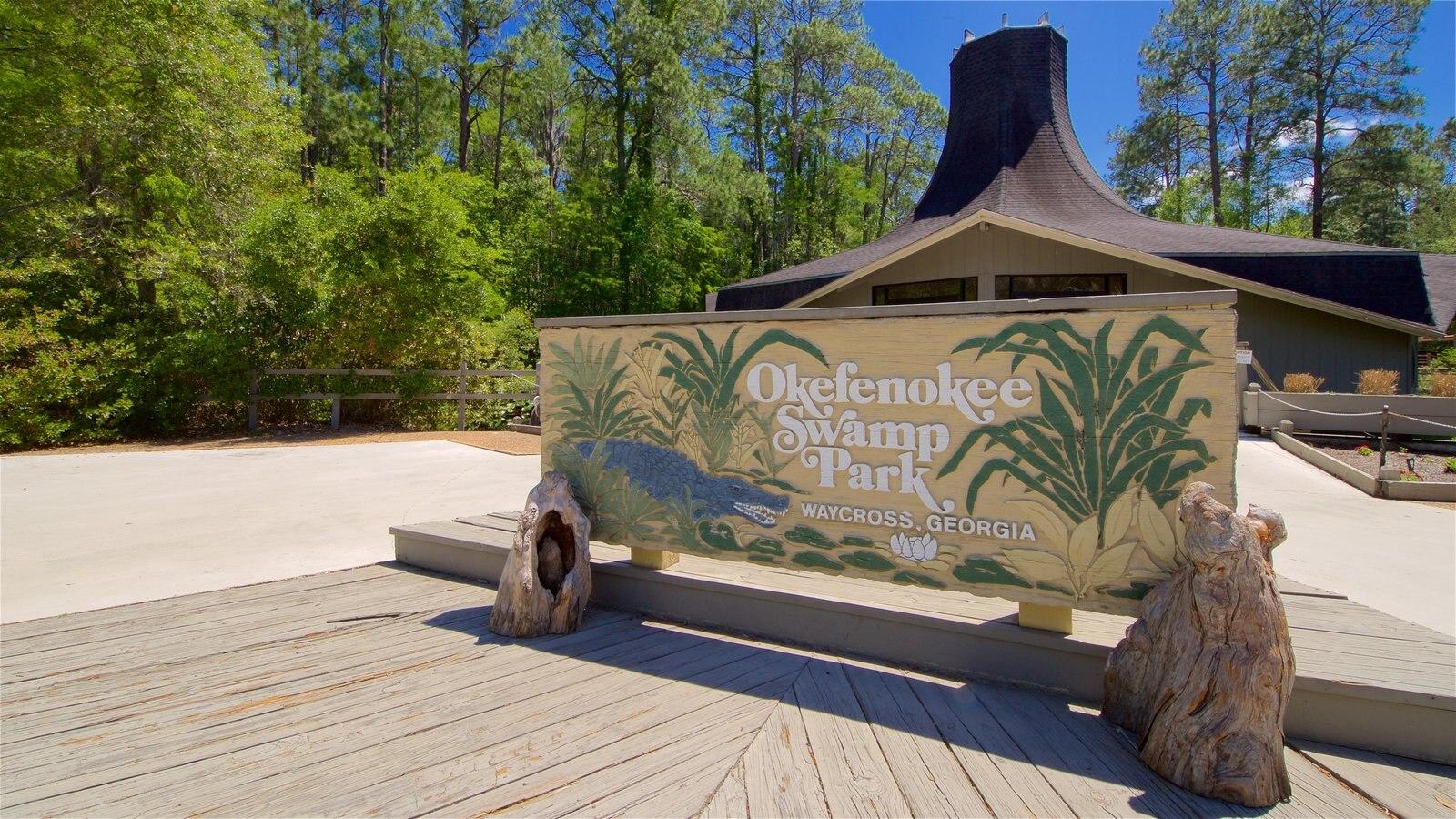 Parque Okefenokee Swamp ofreciendo señalización