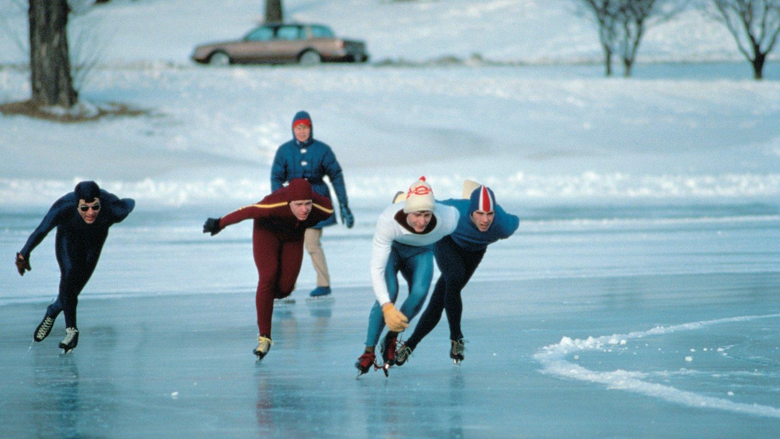 Minneapolis - St. Paul mostrando neve, um evento desportivo e patinação no gelo