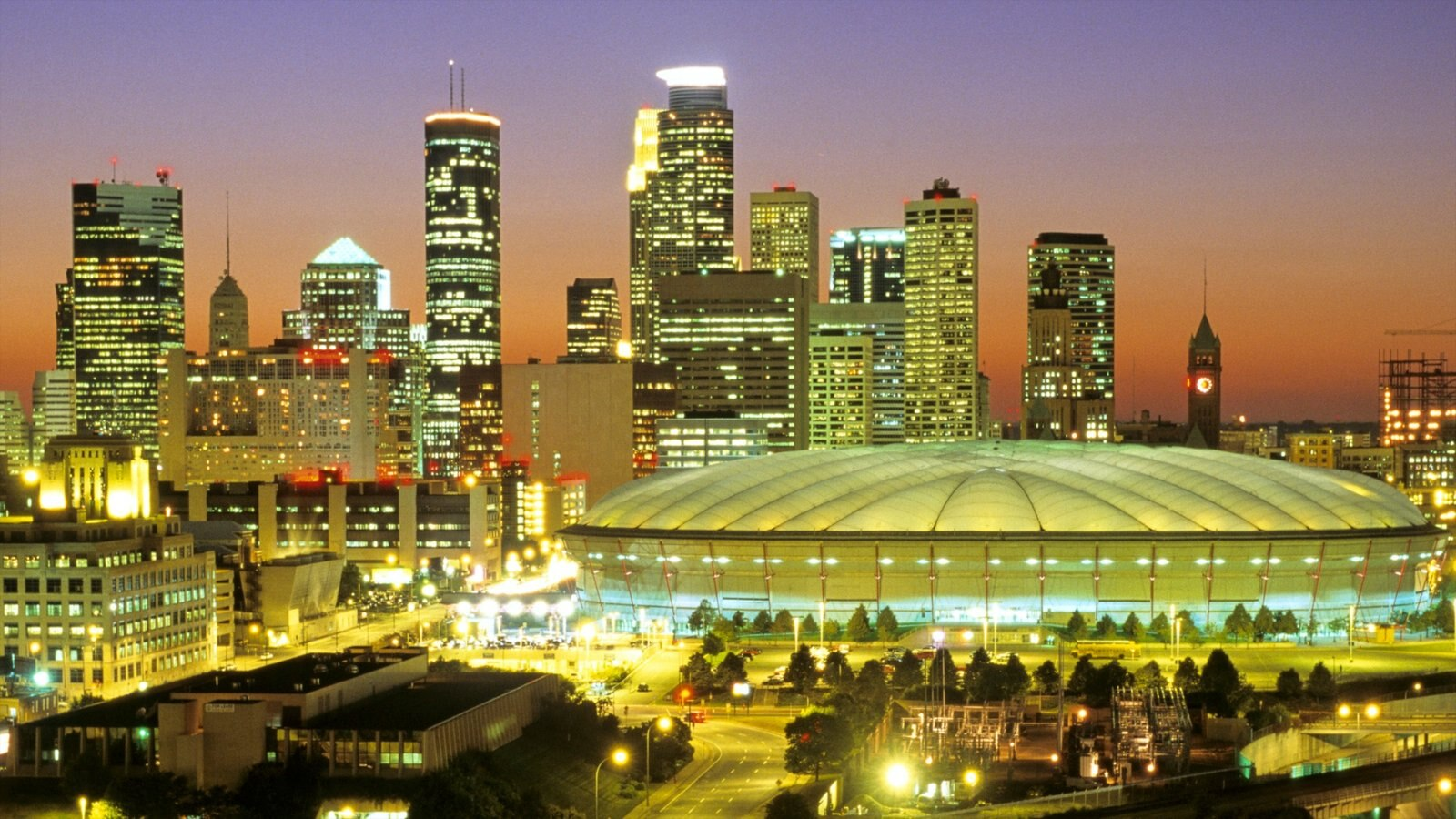 Minneapolis - St. Paul caracterizando cbd, linha do horizonte e uma cidade