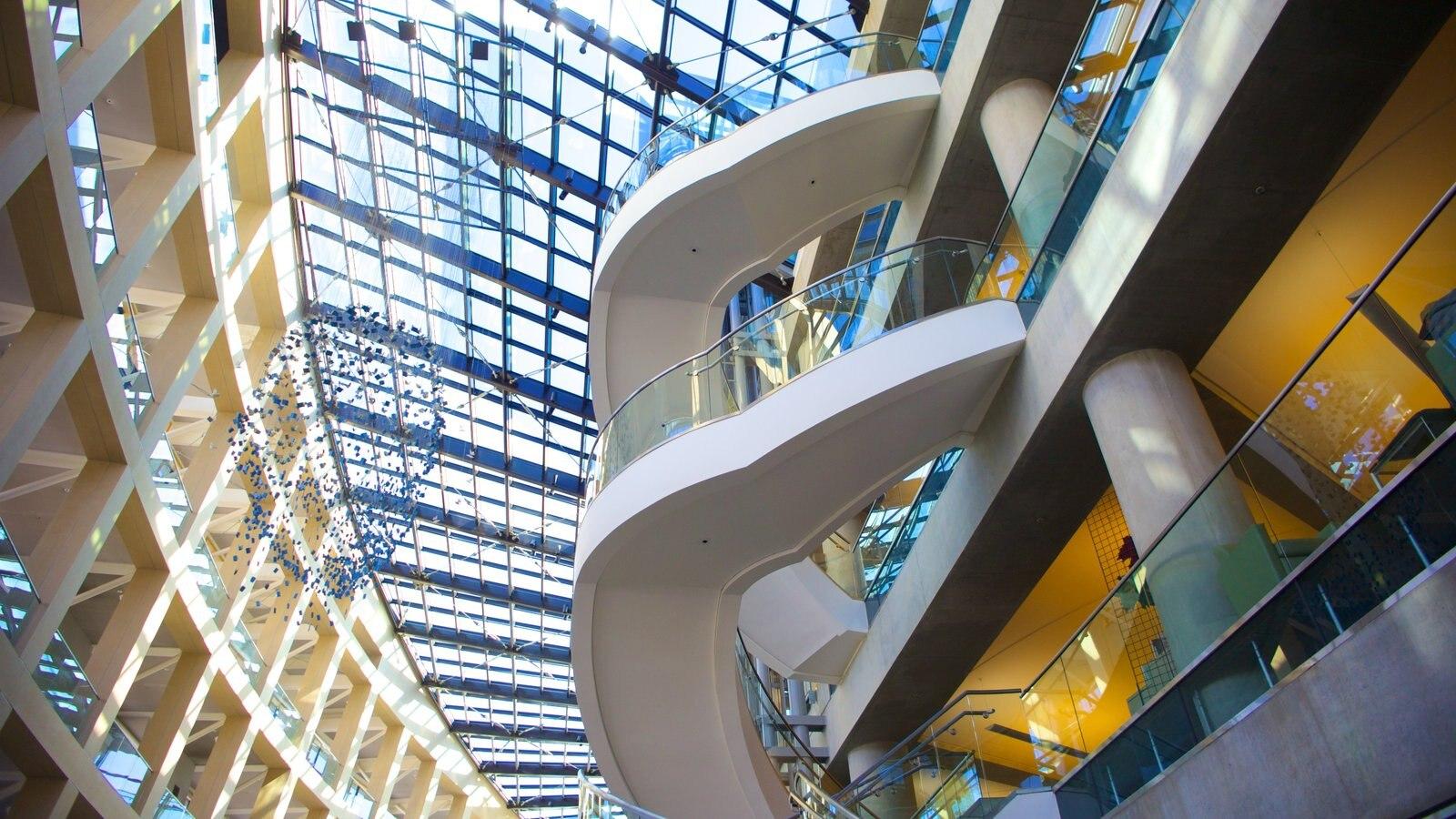 Salt Lake City ofreciendo arquitectura moderna y vistas interiores