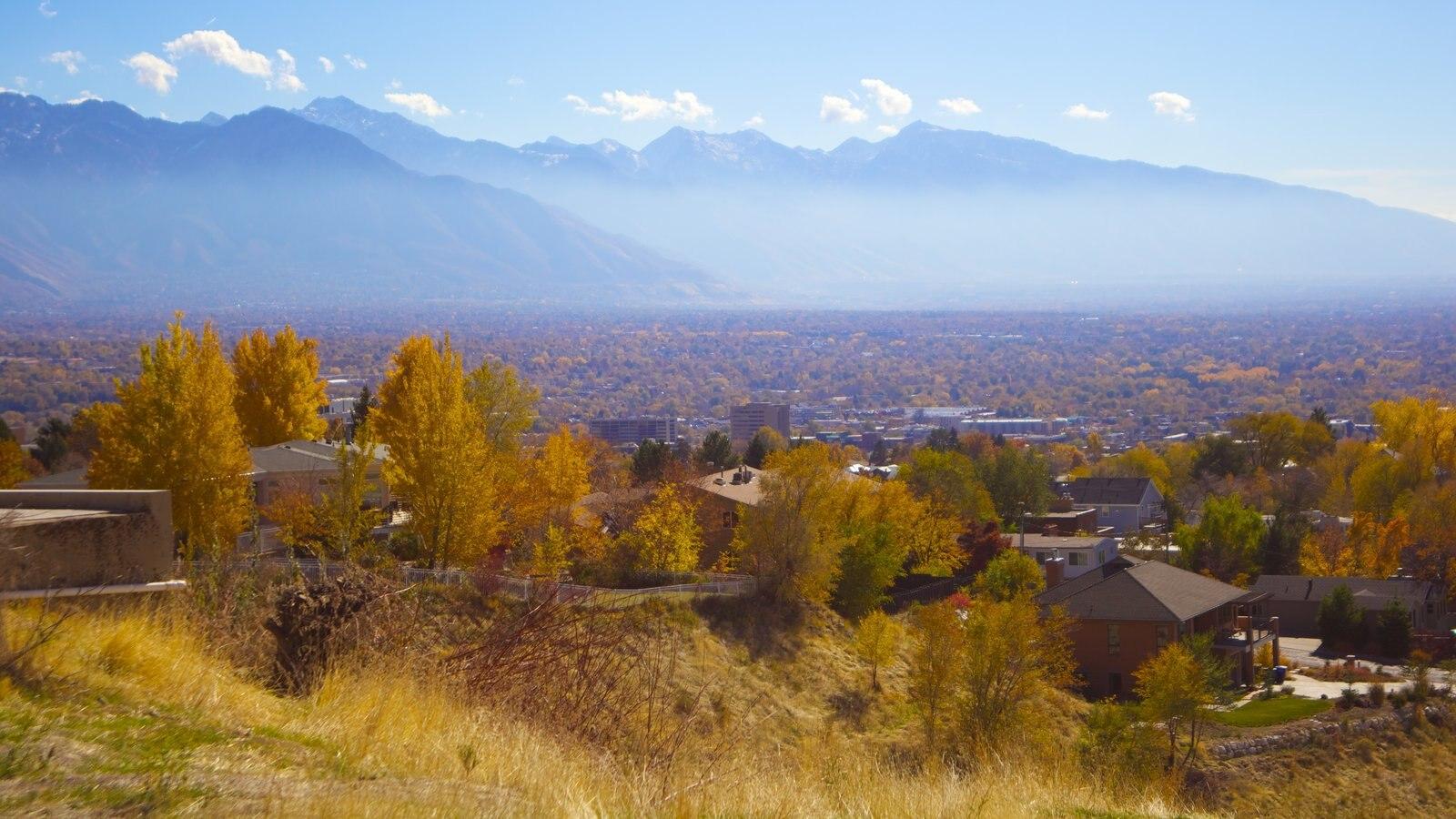 Utah ofreciendo neblina o niebla y vistas de paisajes
