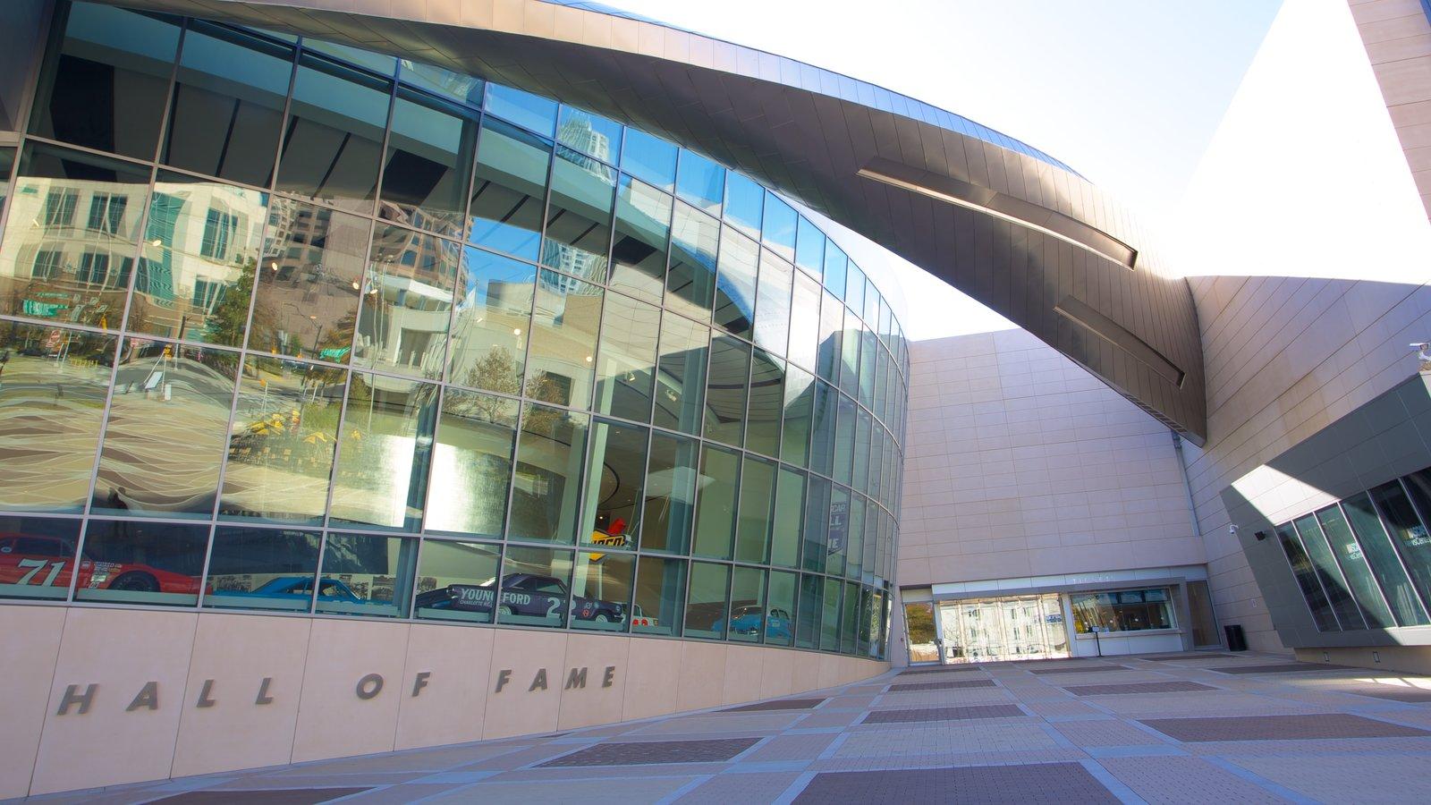 Charlotte caracterizando arquitetura moderna