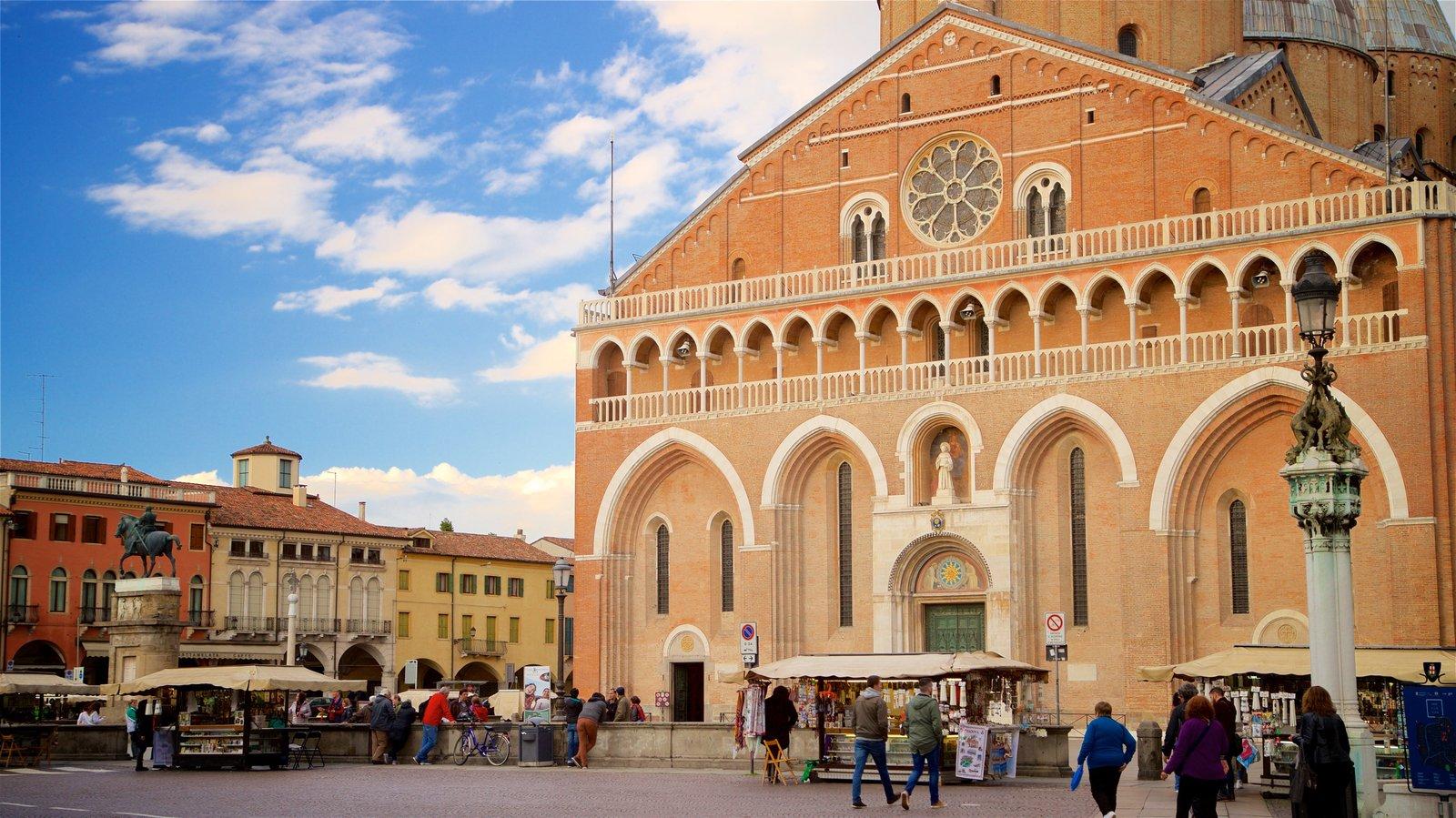 Basilica di Sant\'Antonio da Padova which includes street scenes, heritage architecture and a church or cathedral