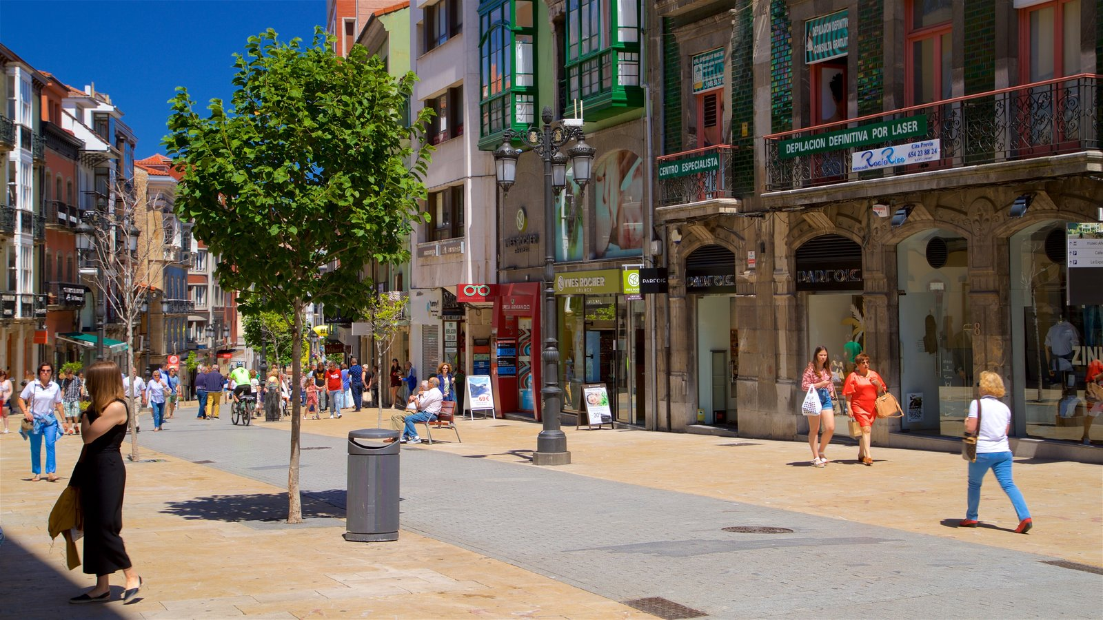 Aviles featuring heritage elements, street scenes and a city