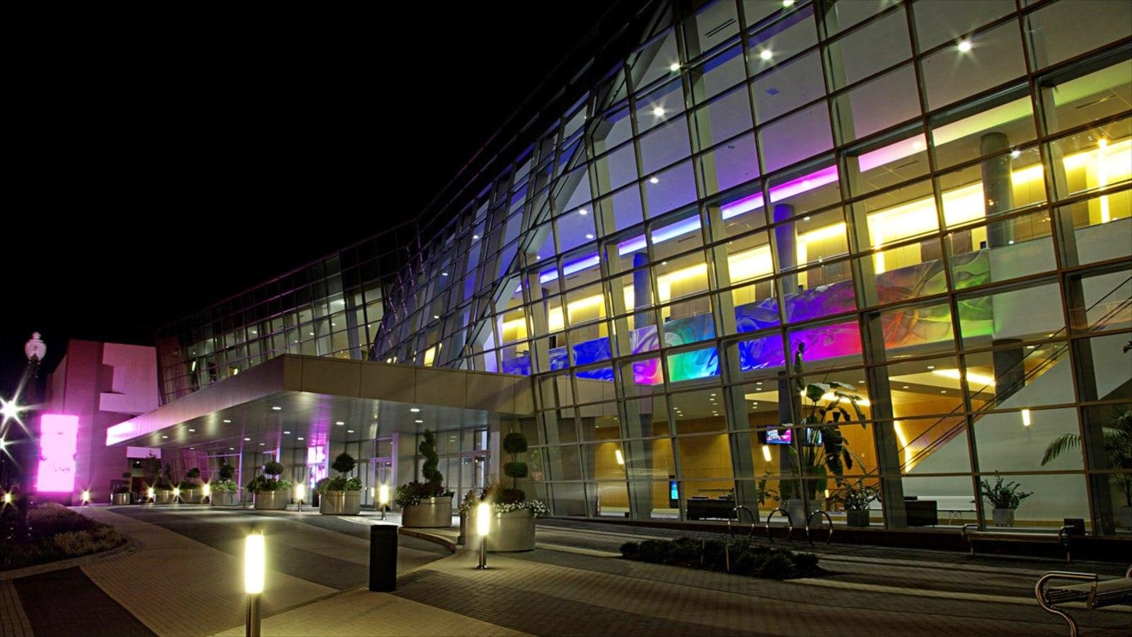 Jackson caracterizando cenas de rua, cenas noturnas e arquitetura moderna