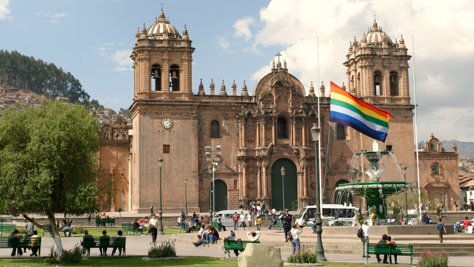 Cusco which includes heritage architecture and a church or cathedral