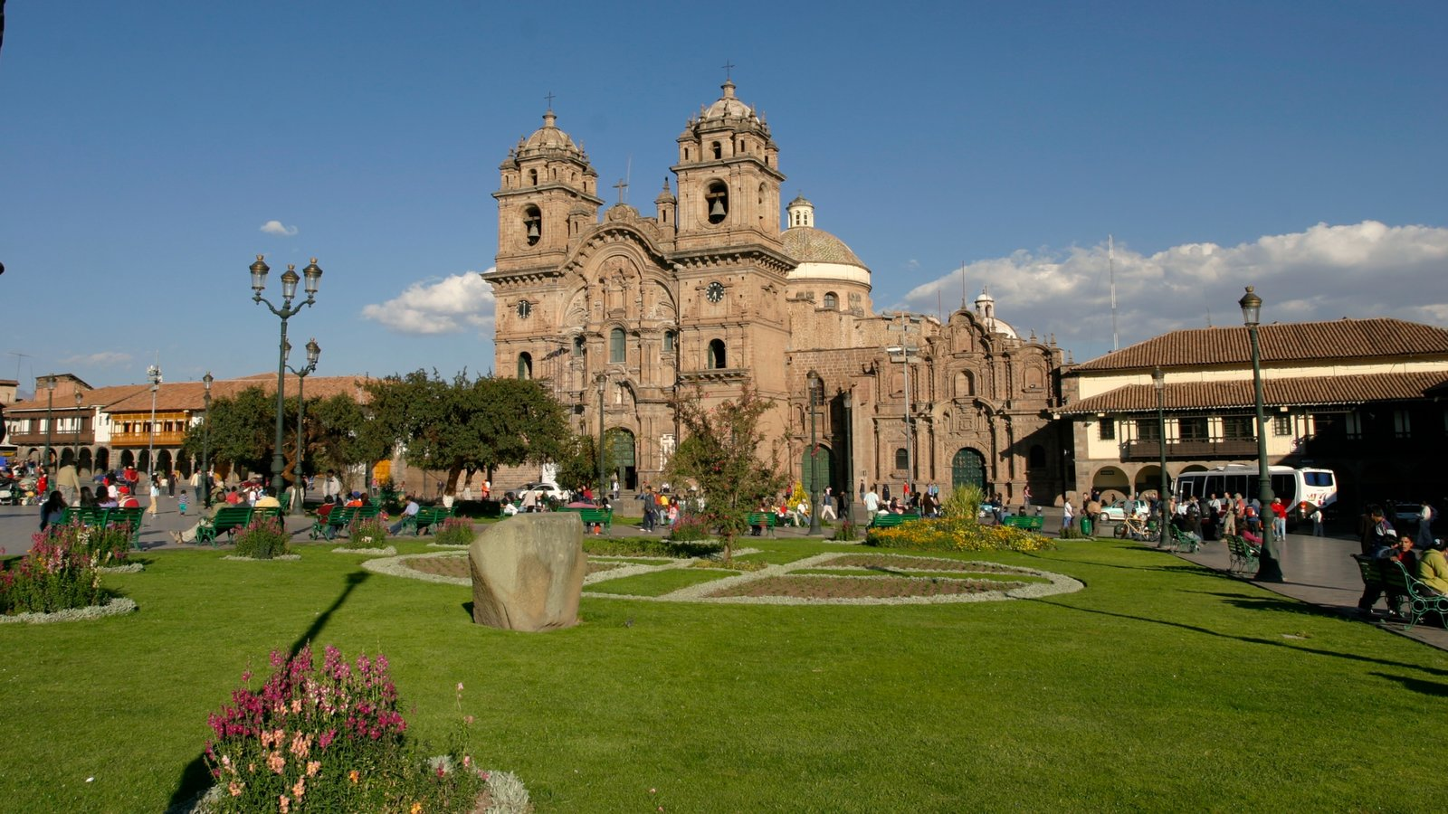 Cusco showing heritage architecture and a church or cathedral