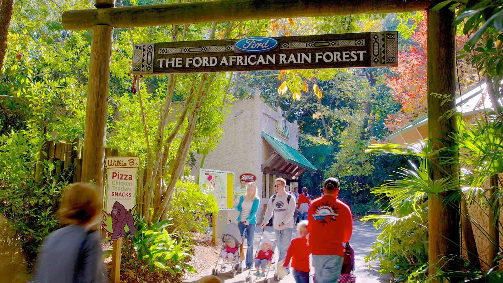 Zoo Atlanta which includes zoo animals and signage