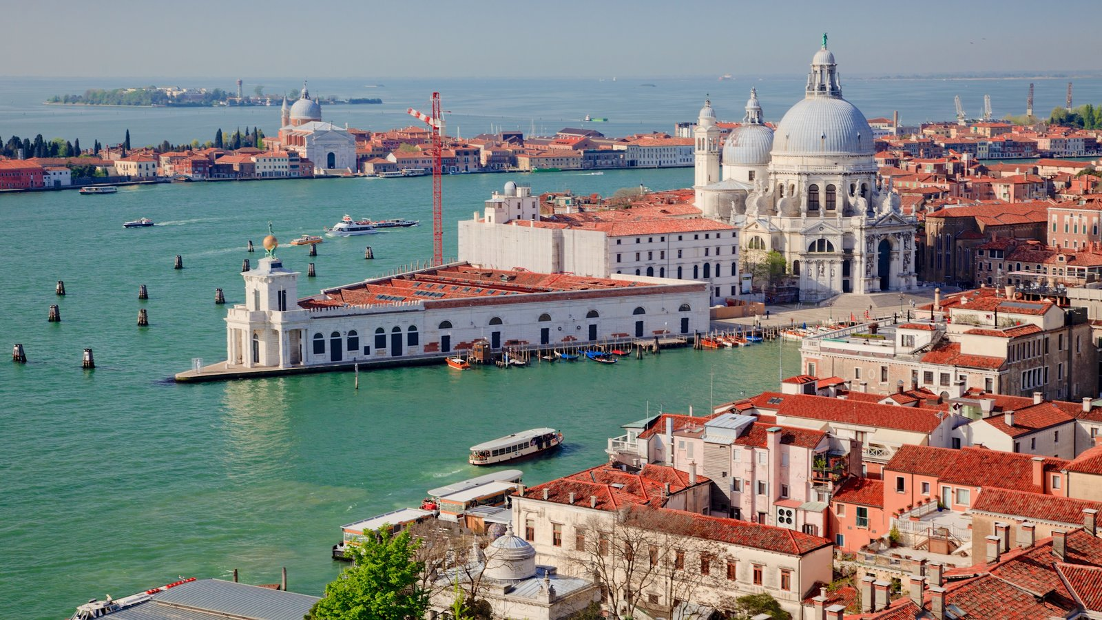 Venice featuring a city, a church or cathedral and landscape views