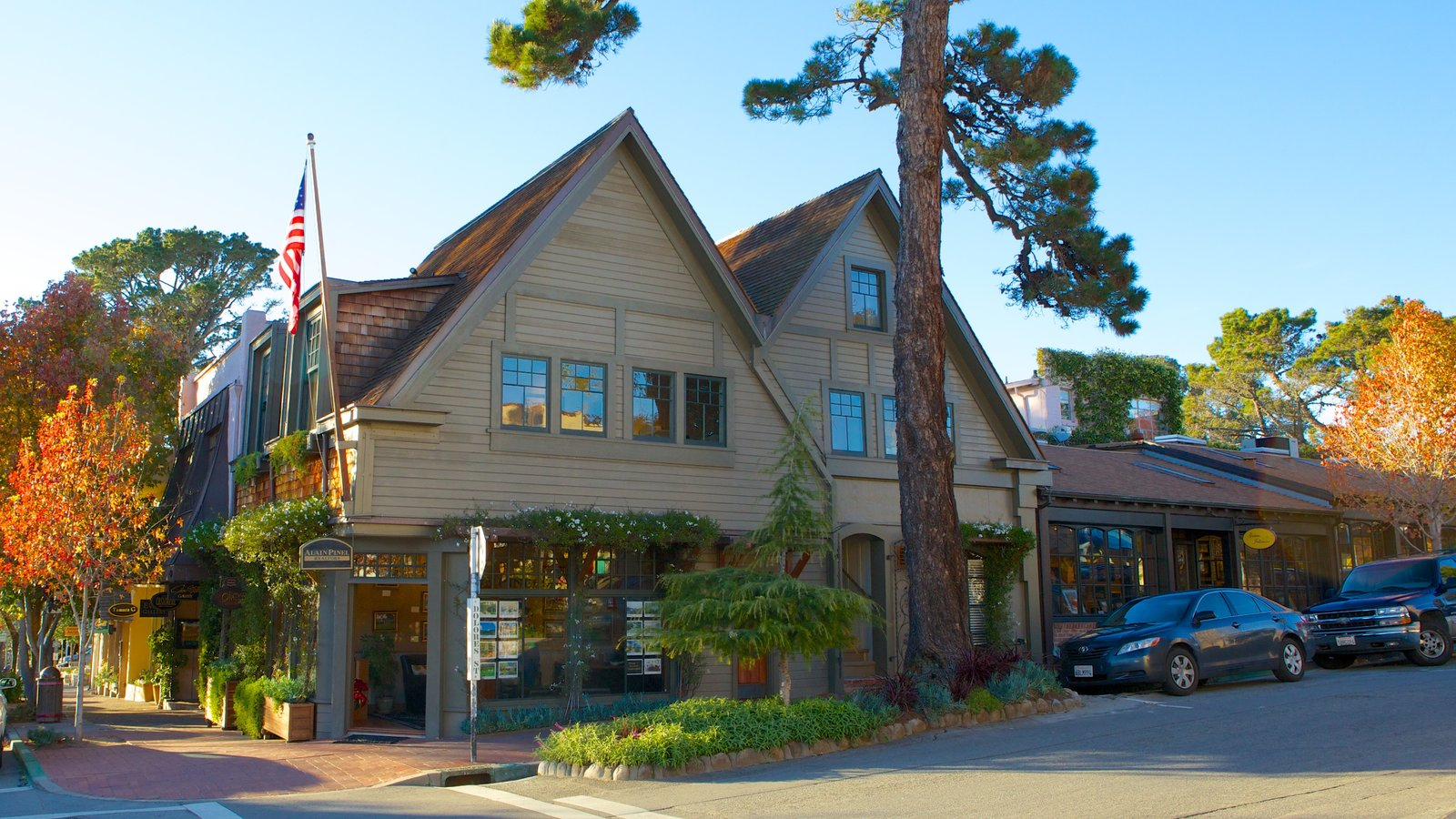 meet carmel by the sea singles Best place to meet singles in their 30's and 40's gold key award for interior  design best place to enjoy a martini top 10 best happy hours in monterey.