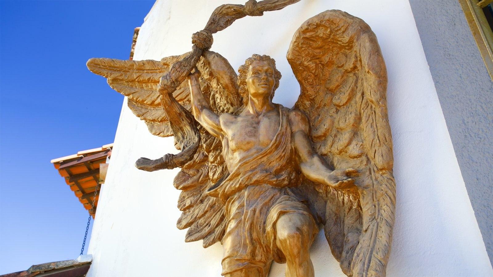 Igreja de Nossa Senhora Desatadora dos Nós caracterizando aspectos religiosos e uma estátua ou escultura