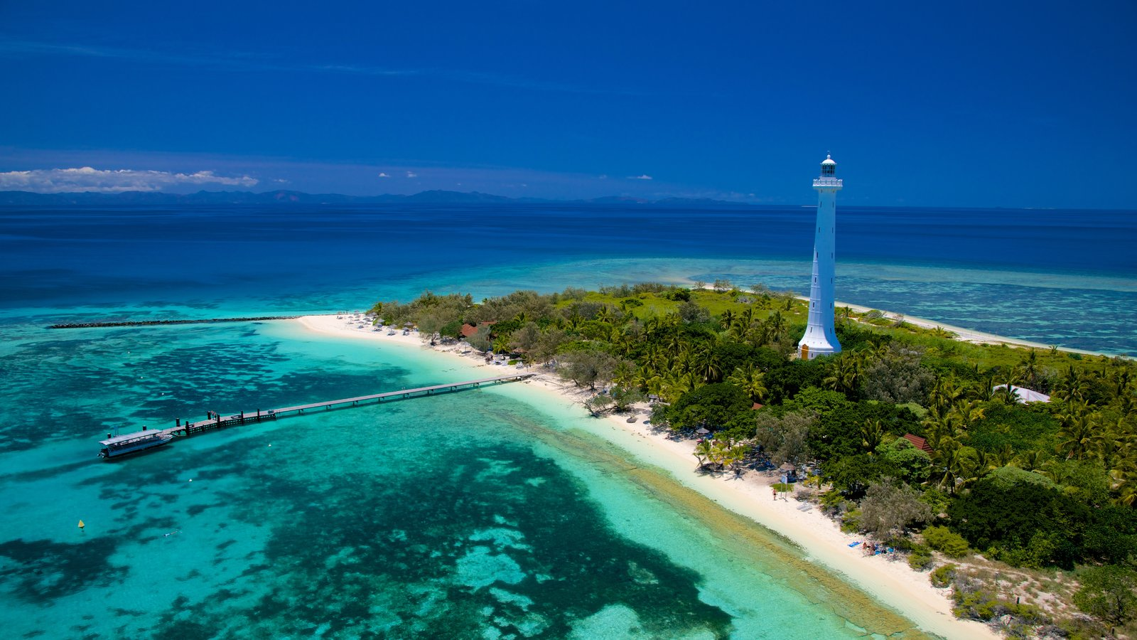 Noumea which includes island images, landscape views and general coastal views