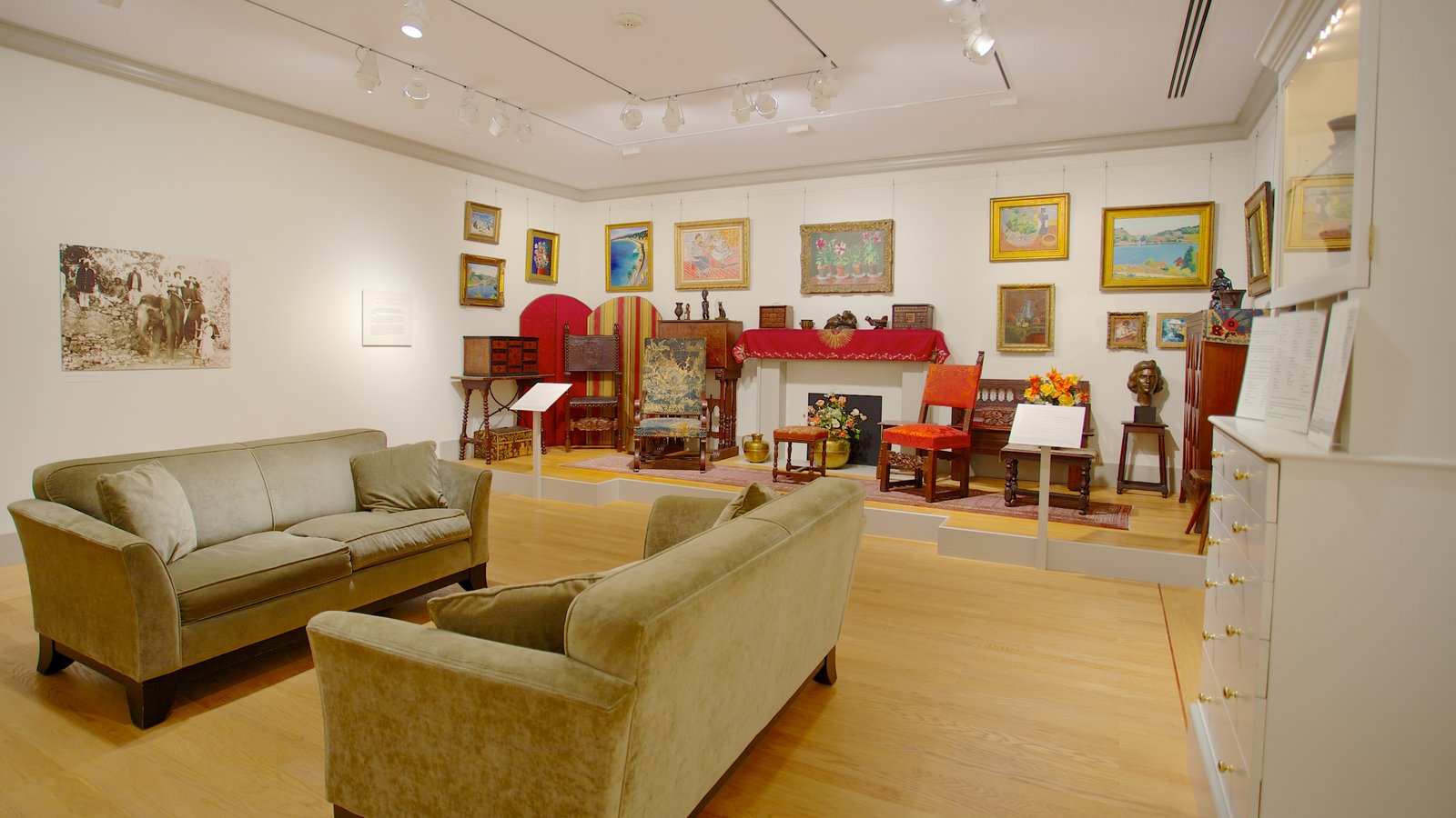 Baltimore Museum of Art which includes interior views and art