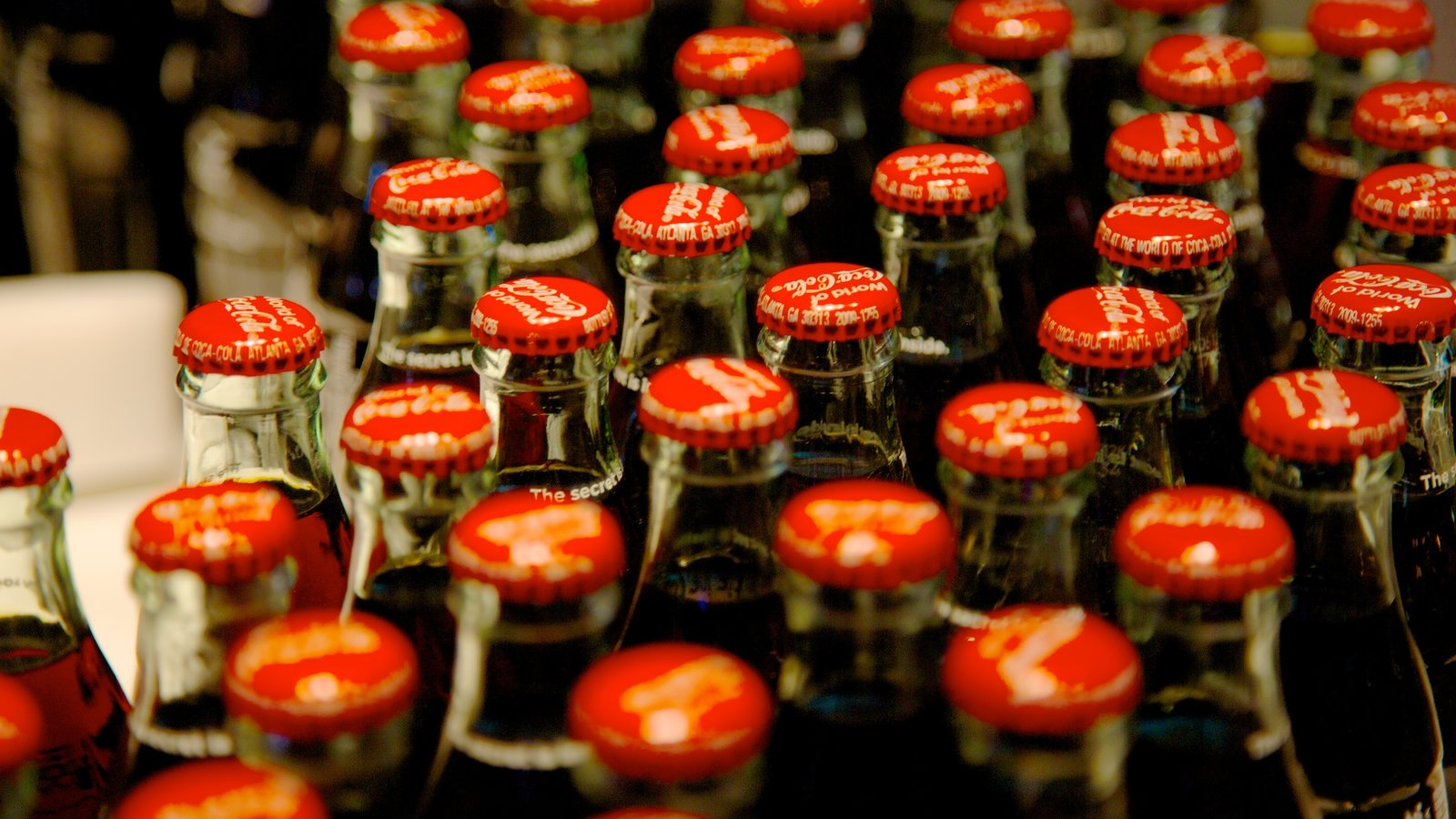 Mundo da Coca-Cola que inclui bebidas e vistas internas
