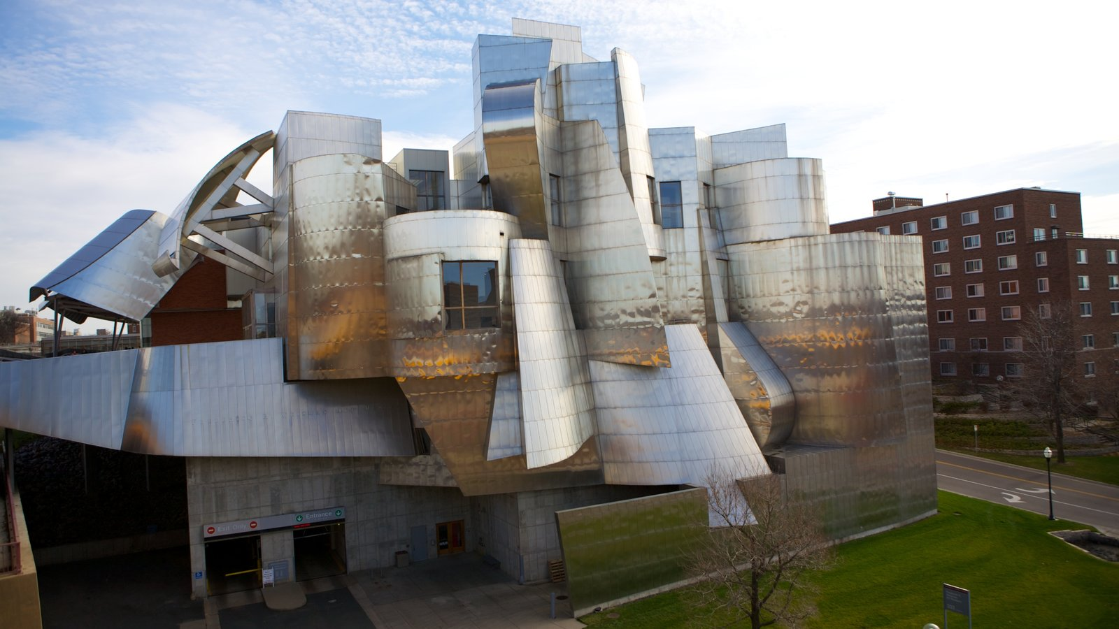 Weisman Art Museum caracterizando uma cidade