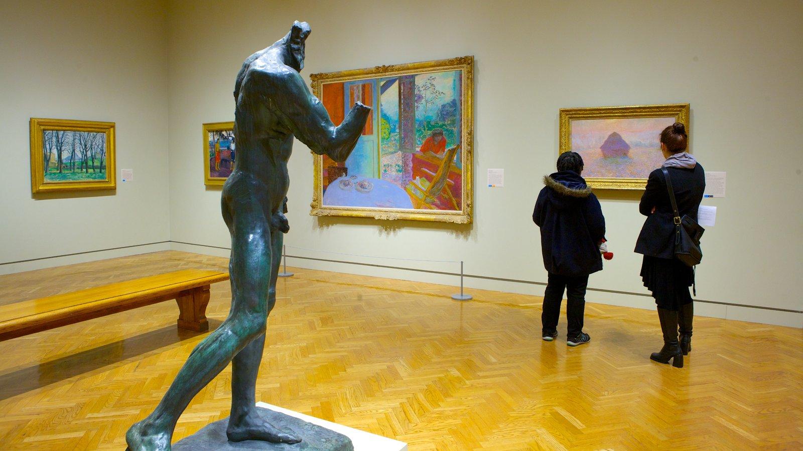 Minneapolis Institute of Arts caracterizando vistas internas, uma estátua ou escultura e arte