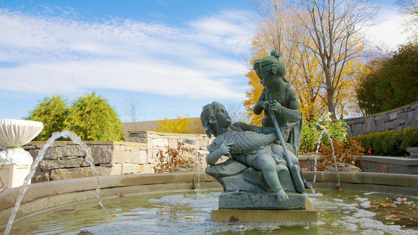 Minnesota Landscape Arboretum mostrando um jardim, um lago e uma fonte