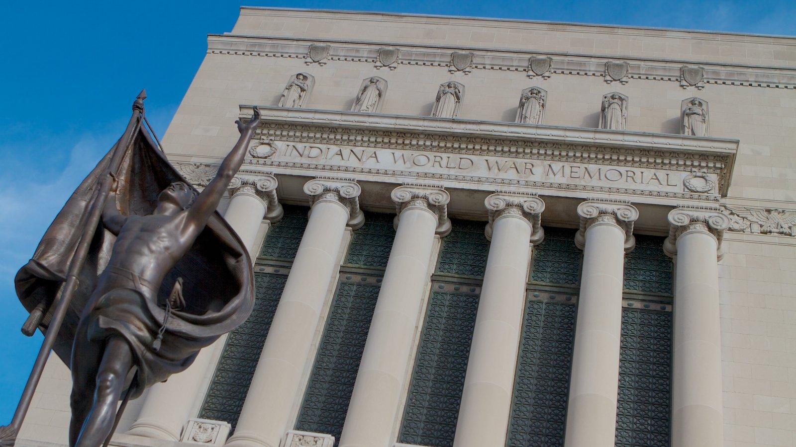 Indiana War Memorial que incluye arte, una estatua o escultura y un monumento