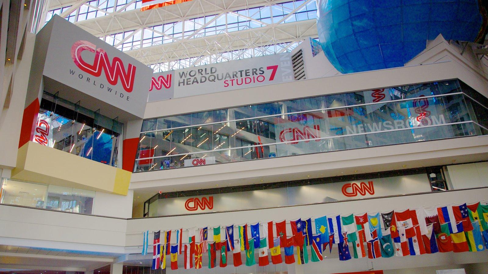 CNN Center caracterizando arquitetura moderna e sinalização