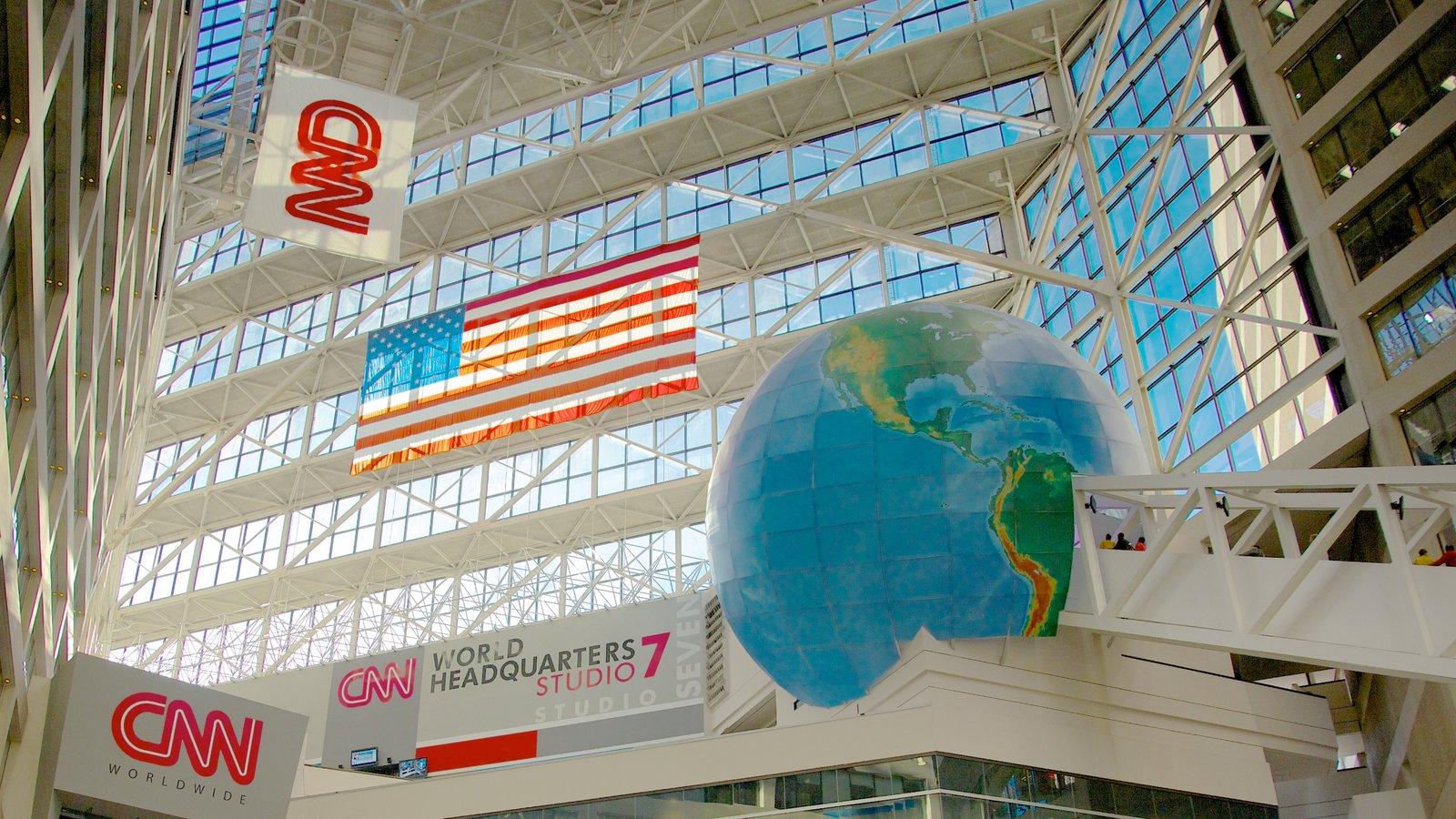 Geórgia mostrando distrito comercial central, sinalização e arquitetura moderna