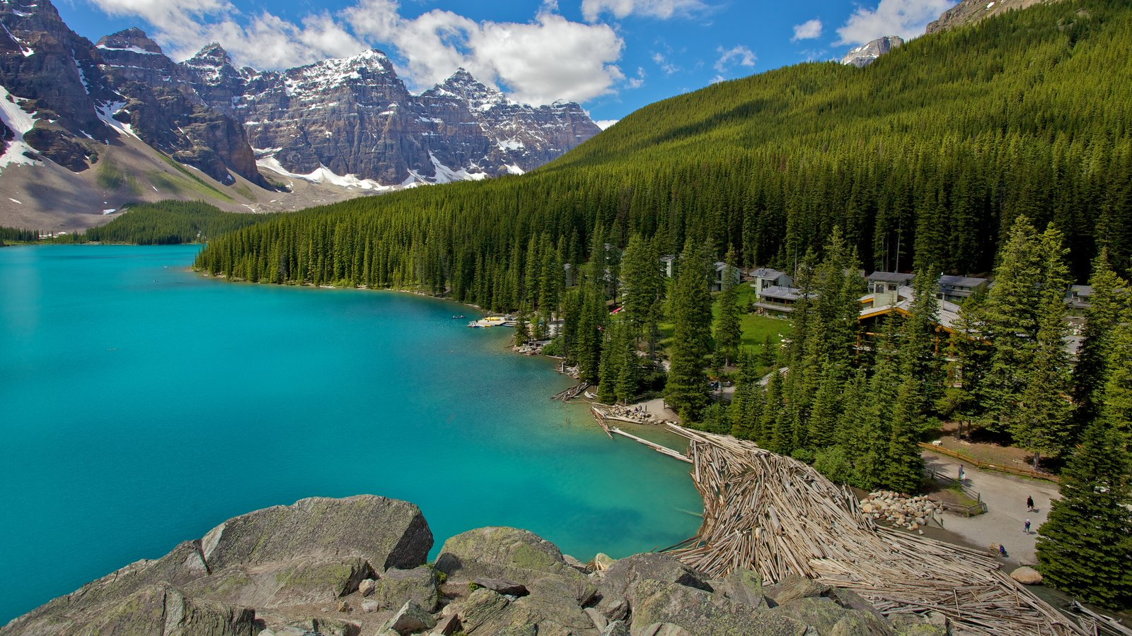 Moraine Lake which includes landscape views, mountains and a lake or waterhole
