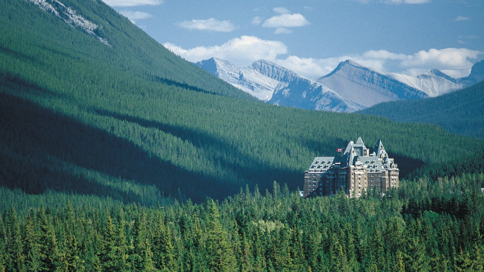 Banff National Park which includes mountains, landscape views and a castle