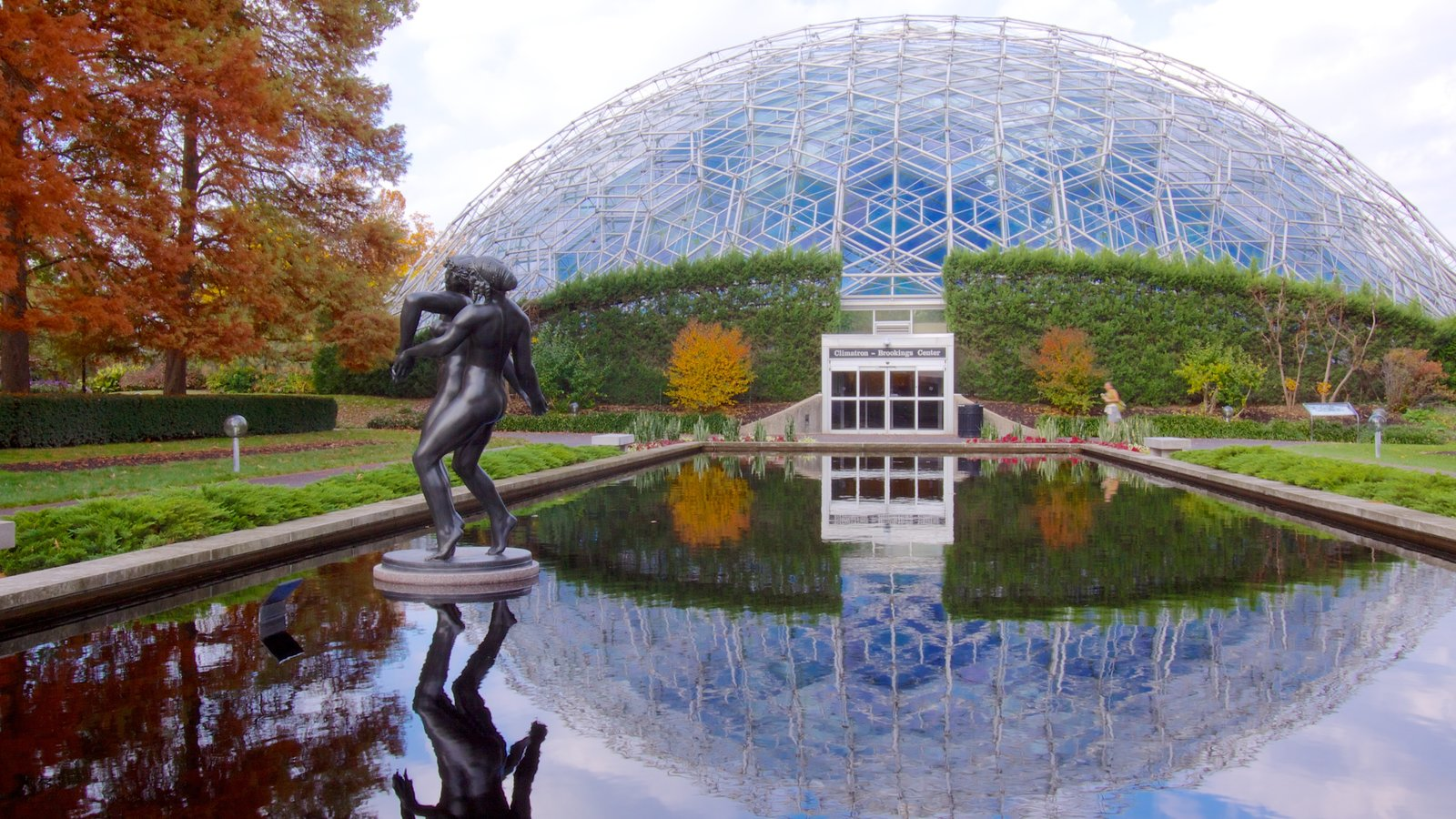 Missouri Botanical Gardens and Arboretum which includes modern architecture, fall colors and a statue or sculpture