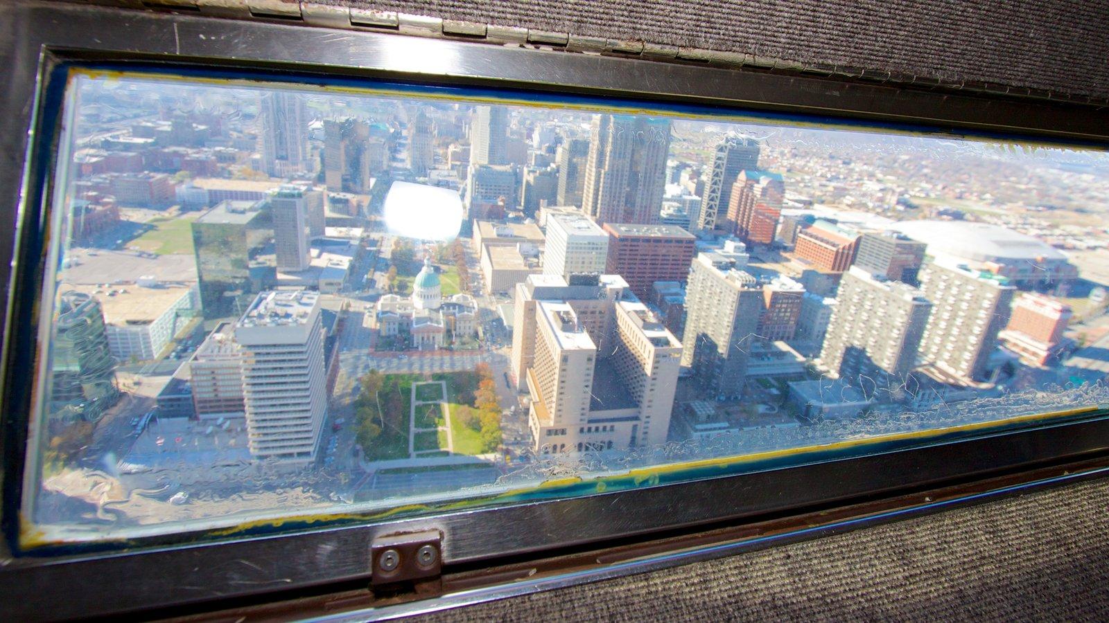 Gateway Arch caracterizando cbd, paisagens e um arranha-céu