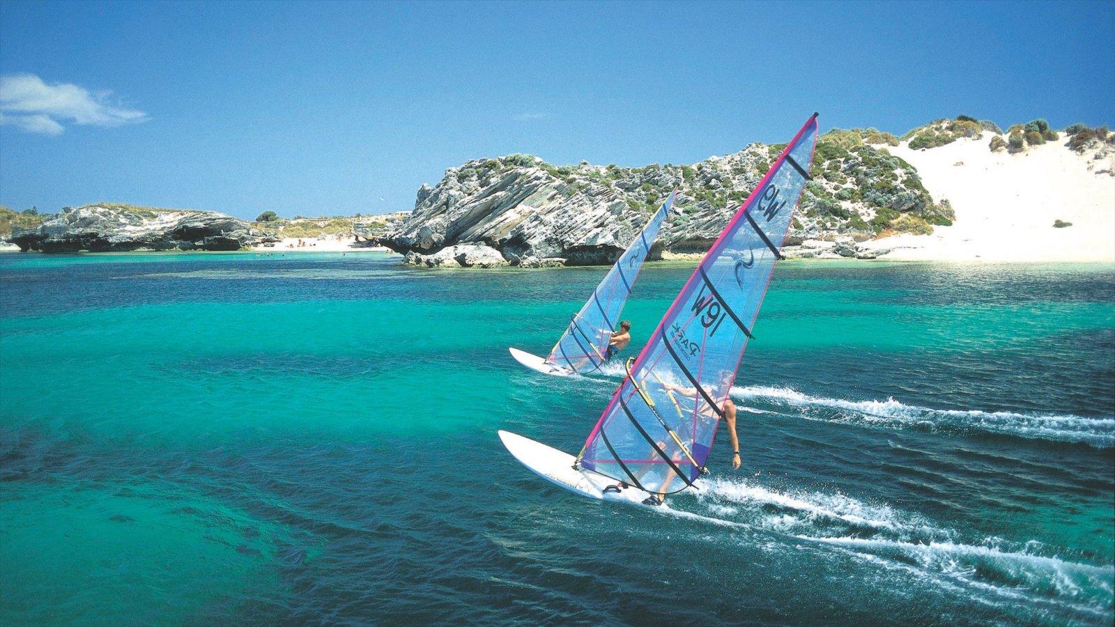 Isla Rottnest ofreciendo escenas tropicales, vistas de una isla y windsurf