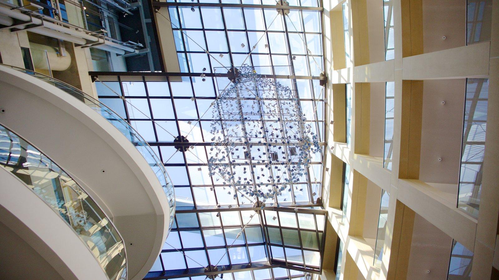 Edifício Principal da Biblioteca Pública de Salt Lake mostrando vistas internas e arquitetura moderna