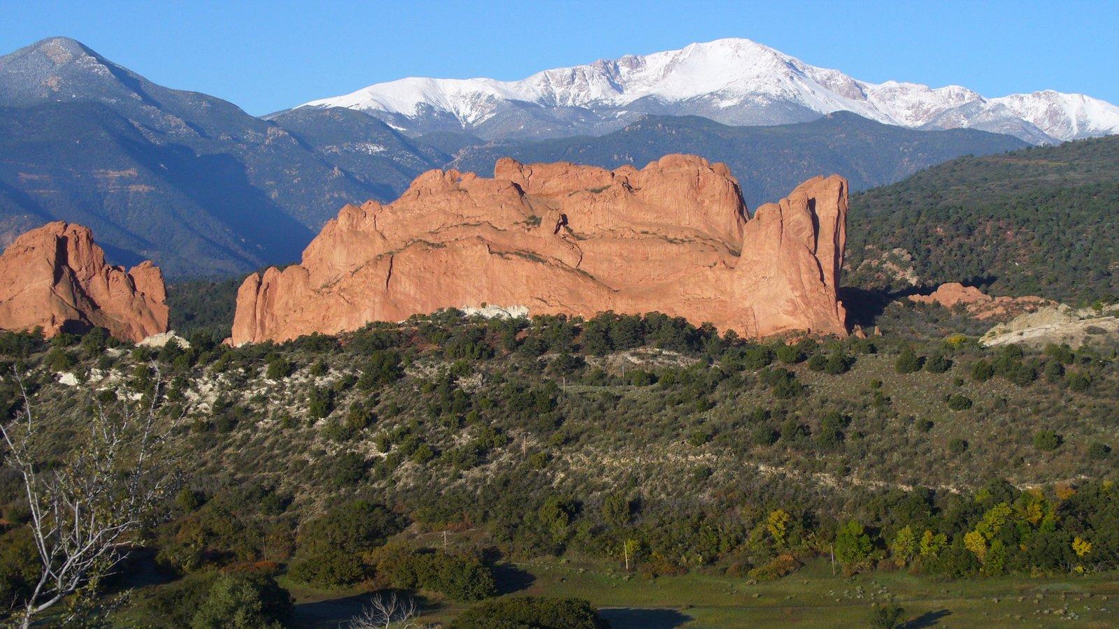 Colorado Springs caracterizando montanhas e paisagem