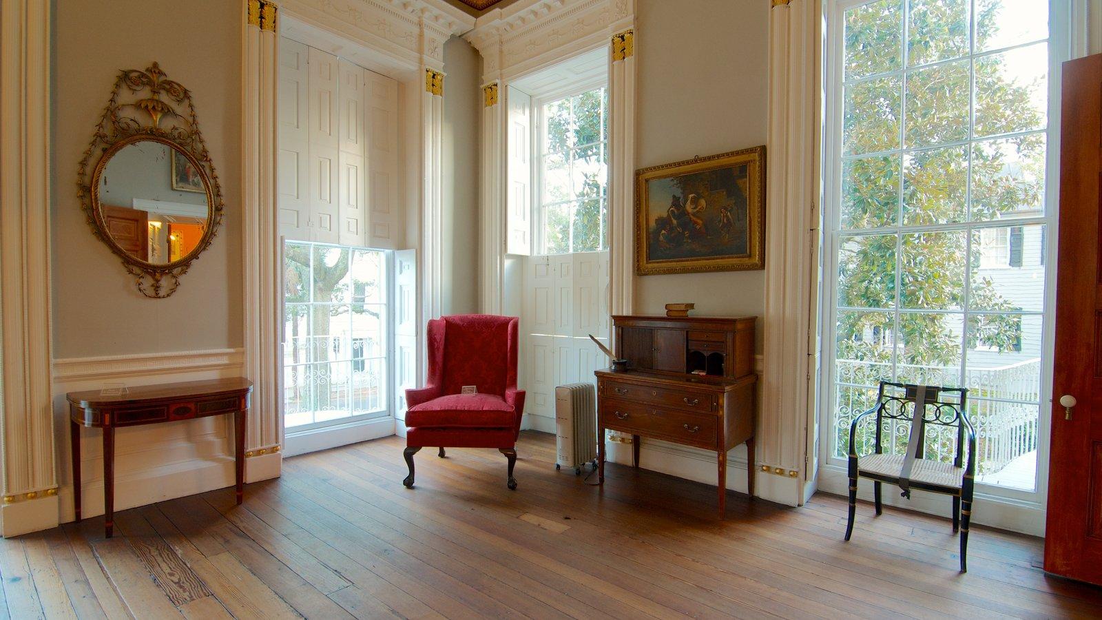 Nathaniel Russell House mostrando arquitetura de patrimônio e vistas internas