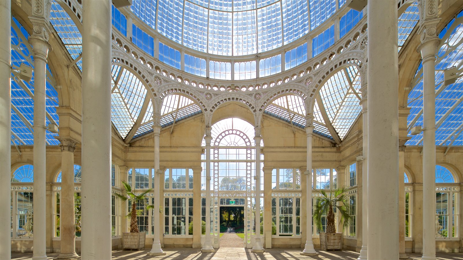Syon Park which includes heritage elements and interior views