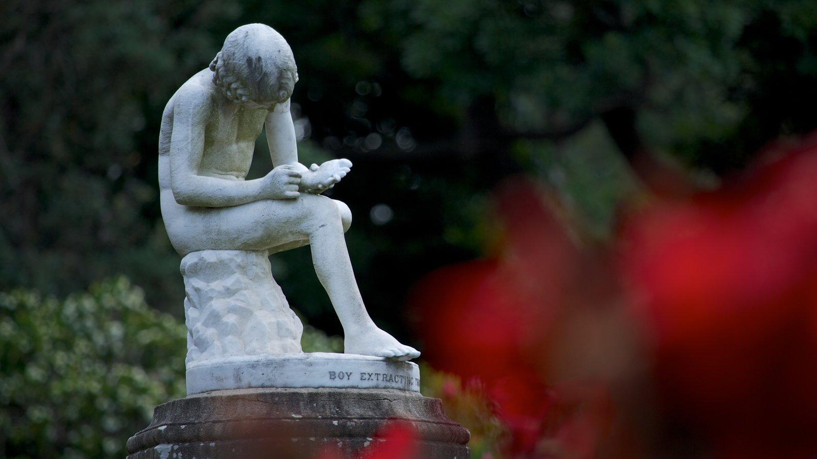 Royal Botanic Gardens caracterizando um monumento, arte ao ar livre e um parque