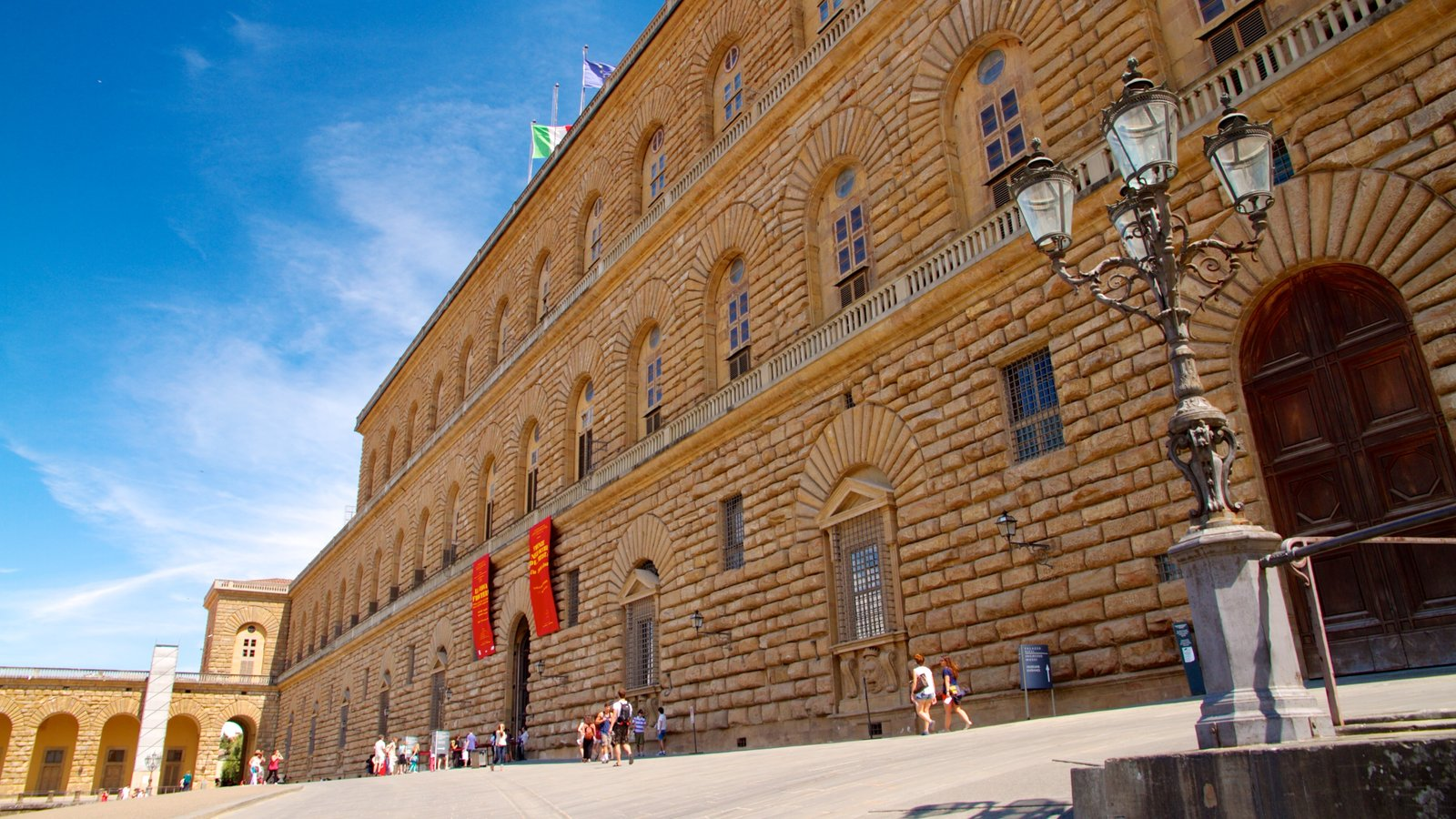 Pitti Palace which includes a square or plaza, heritage architecture and street scenes