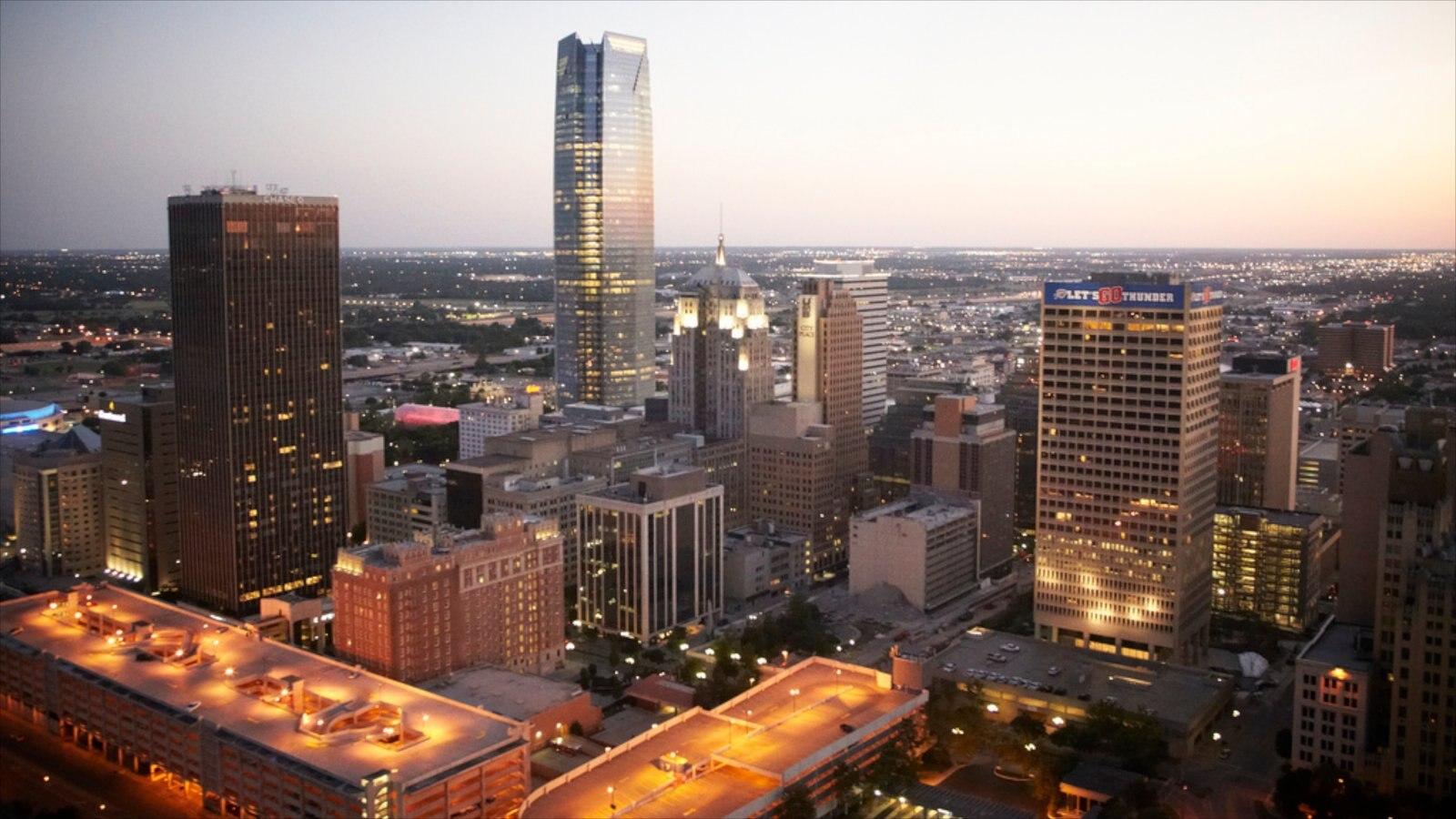 Oklahoma City que incluye un rascacielos, una ciudad y arquitectura moderna
