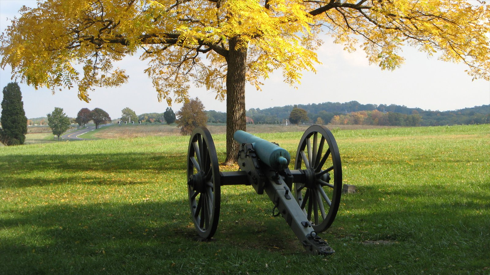 Gettysburg mostrando cenas tranquilas, folhas de outono e arte ao ar livre