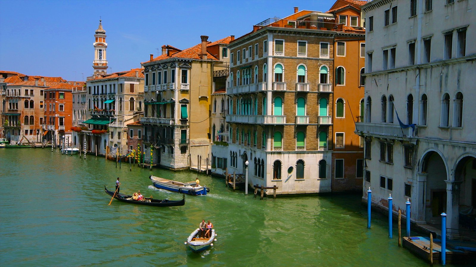 Grand Canal featuring heritage architecture