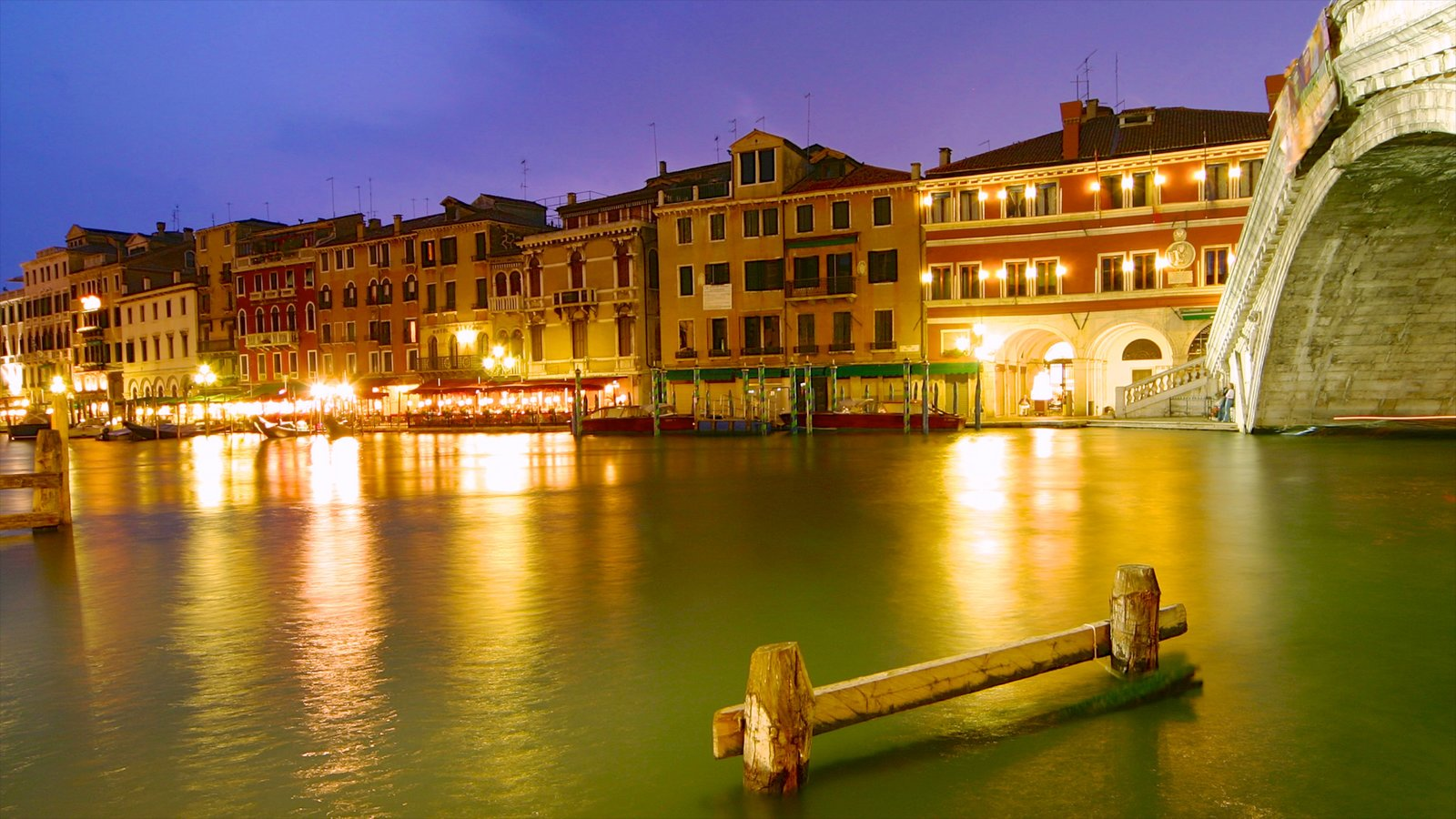 Grand Canal showing heritage architecture, night scenes and a city