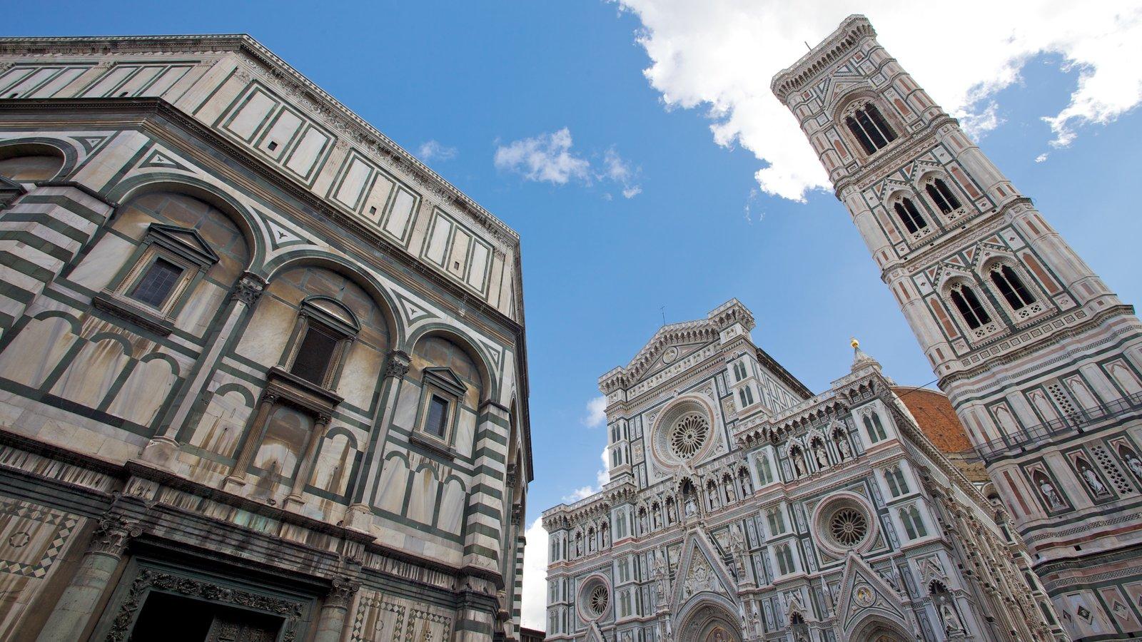 Catedral de Santa Maria del Fiore que inclui uma igreja ou catedral, elementos religiosos e arquitetura de patrimônio