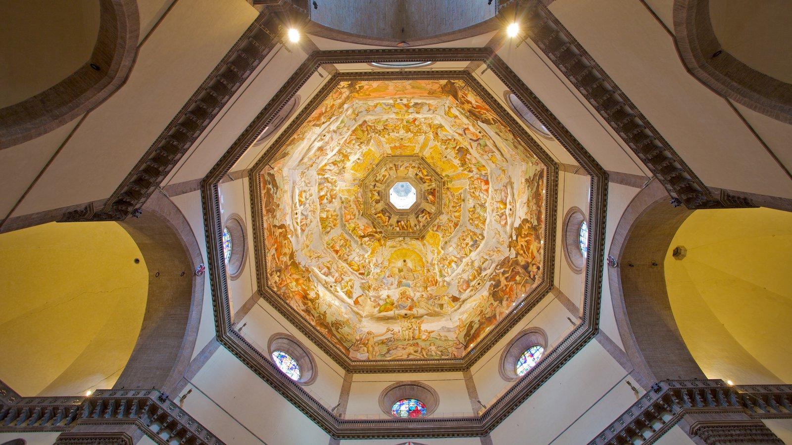 Catedral de Santa Maria del Fiore caracterizando aspectos religiosos, arquitetura de patrimônio e vistas internas