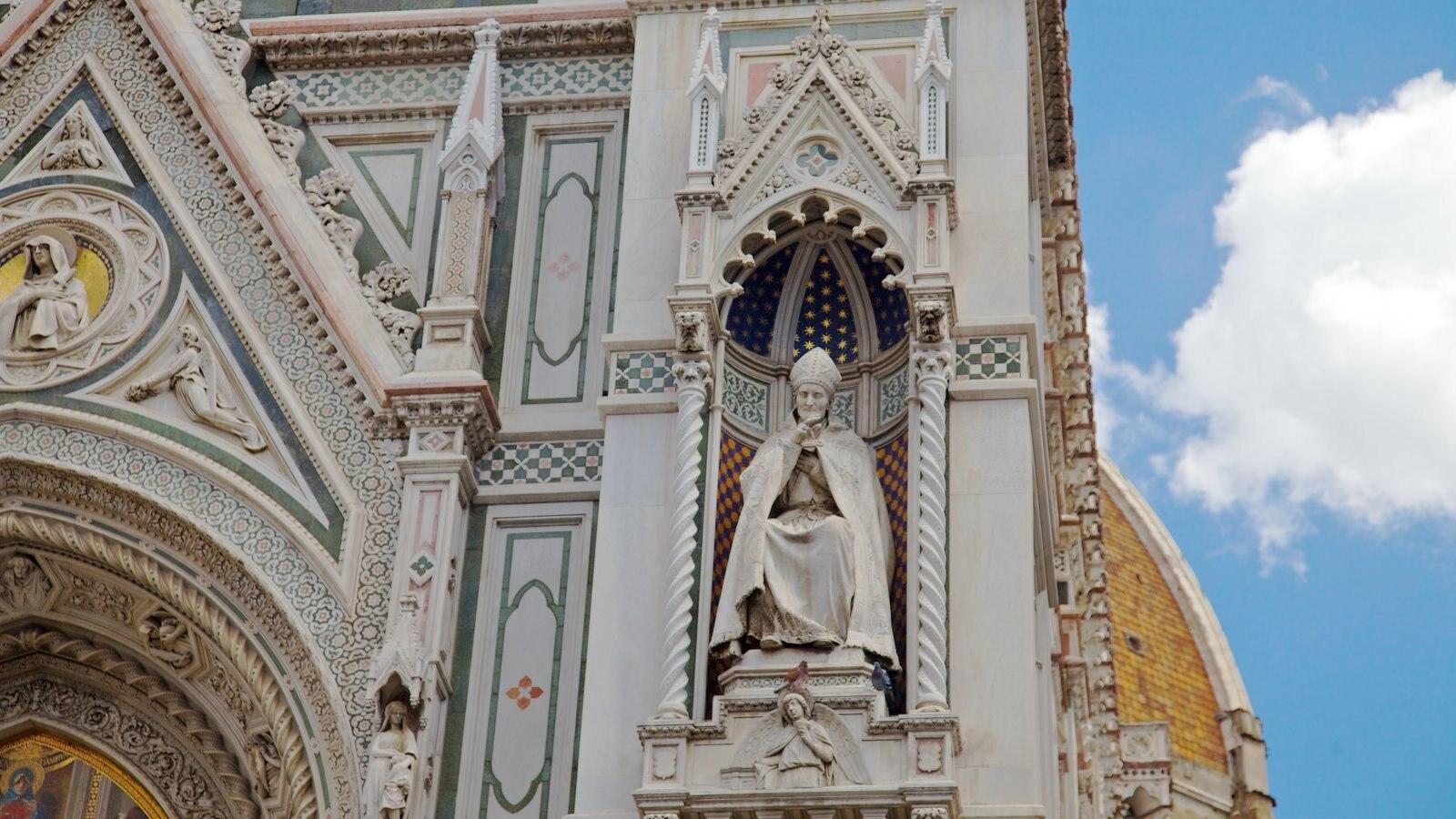 Catedral de Santa Maria del Fiore mostrando aspectos religiosos e uma igreja ou catedral