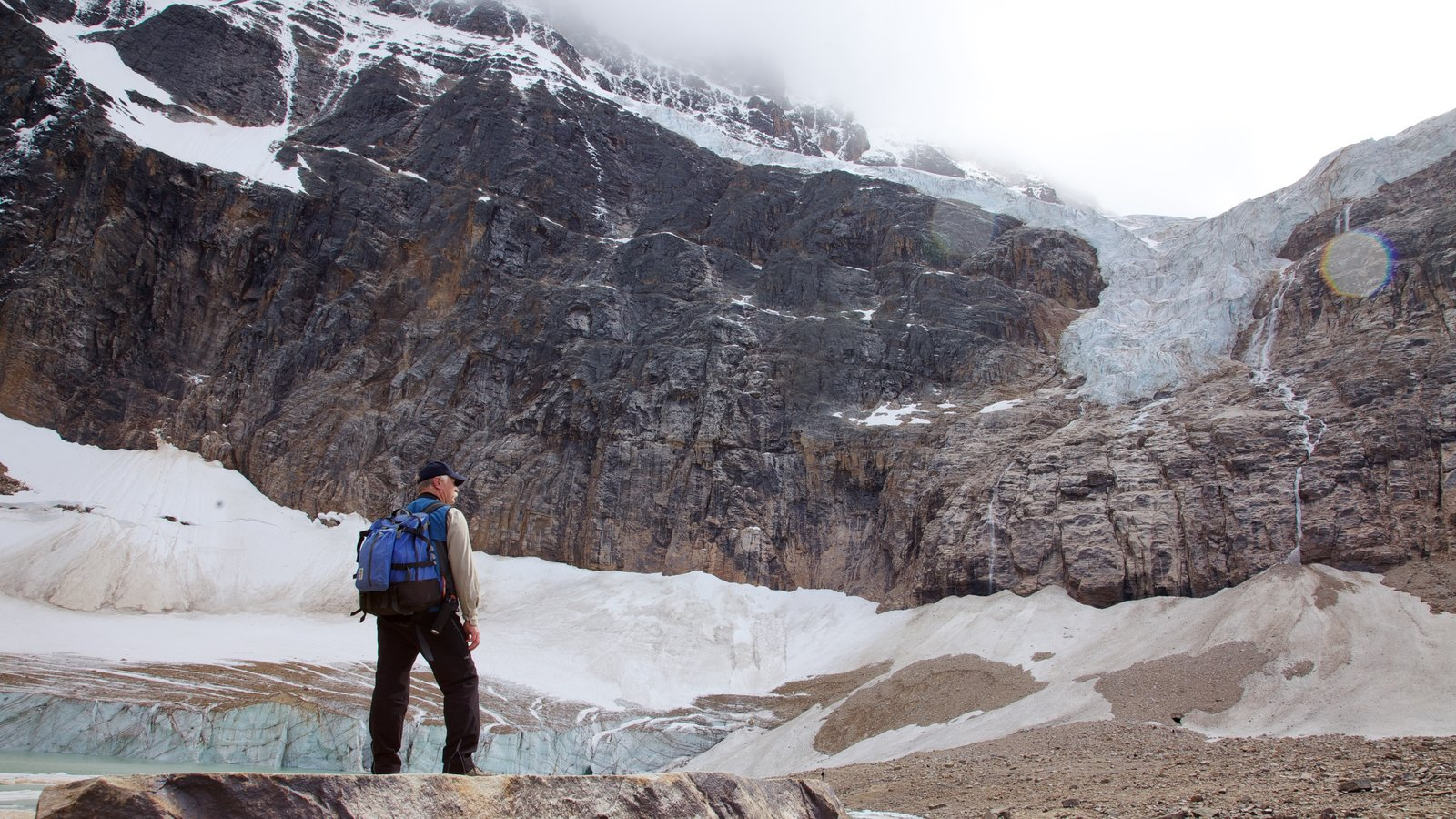 Mount Edith Cavell which includes landscape views, hiking or walking and mountains