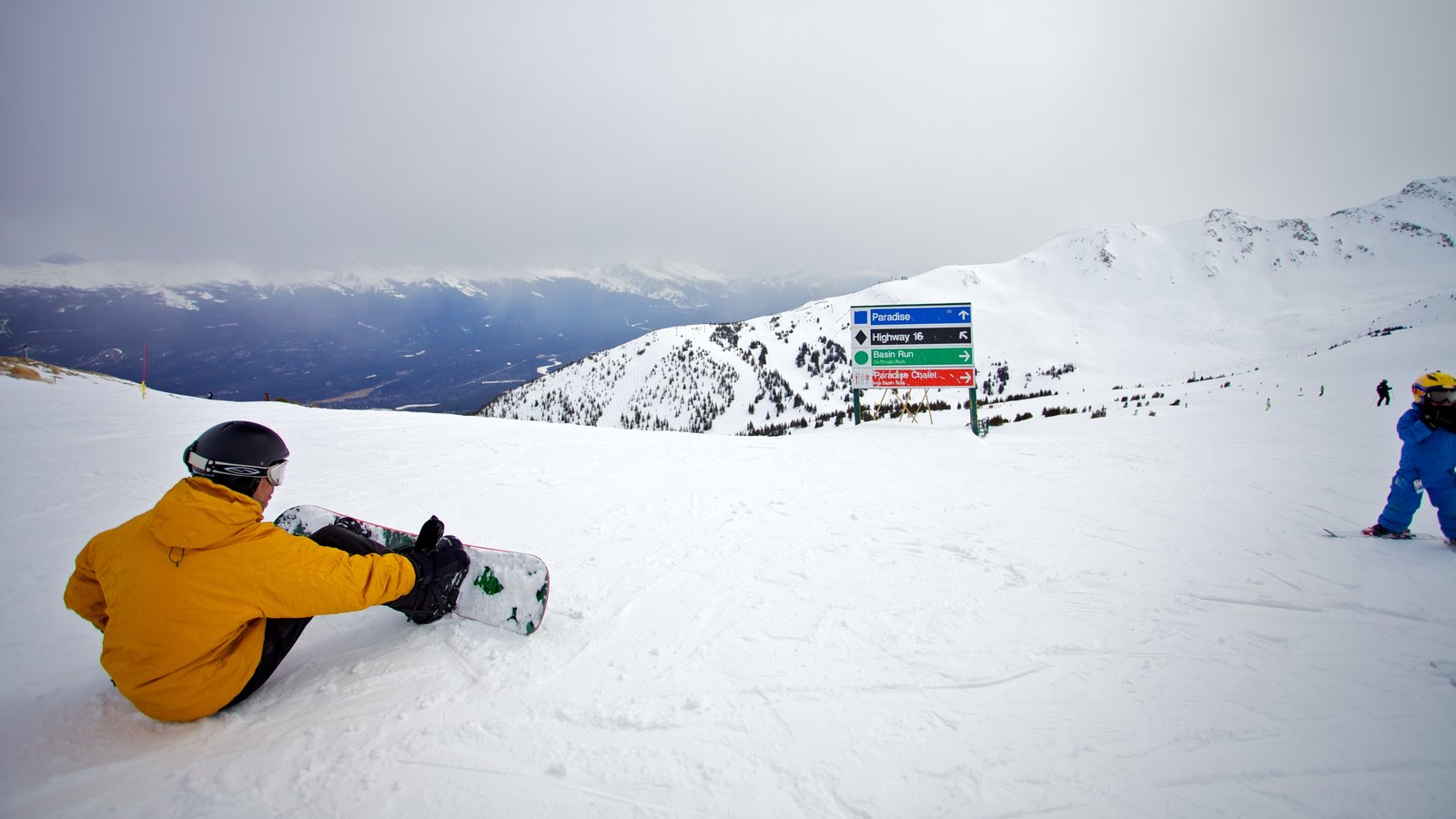 Marmot Basin which includes snow, landscape views and snowboarding